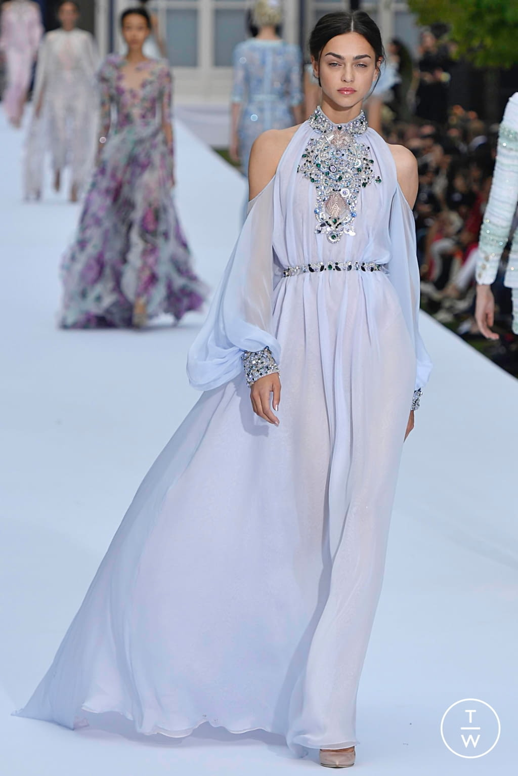 Fashion Week Paris Fall/Winter 2019 look 14 from the Ralph & Russo collection couture