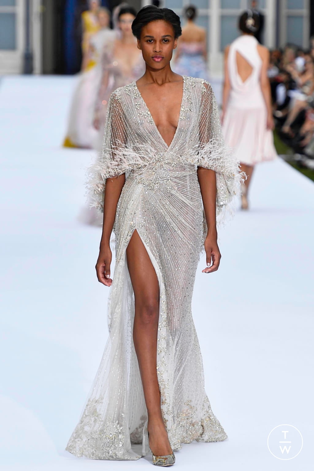 Fashion Week Paris Fall/Winter 2019 look 23 from the Ralph & Russo collection couture