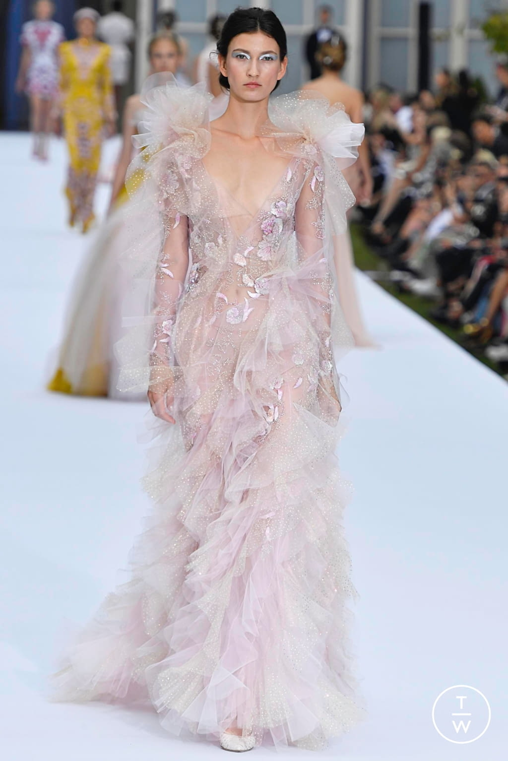 Fashion Week Paris Fall/Winter 2019 look 24 from the Ralph & Russo collection couture