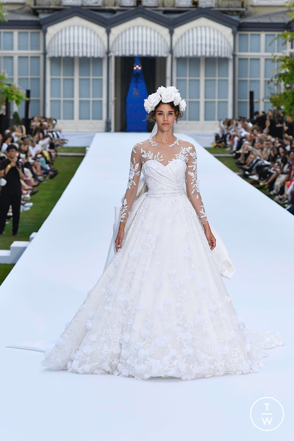 Fashion Week Paris Fall/Winter 2019 look 51 de la collection Ralph & Russo couture