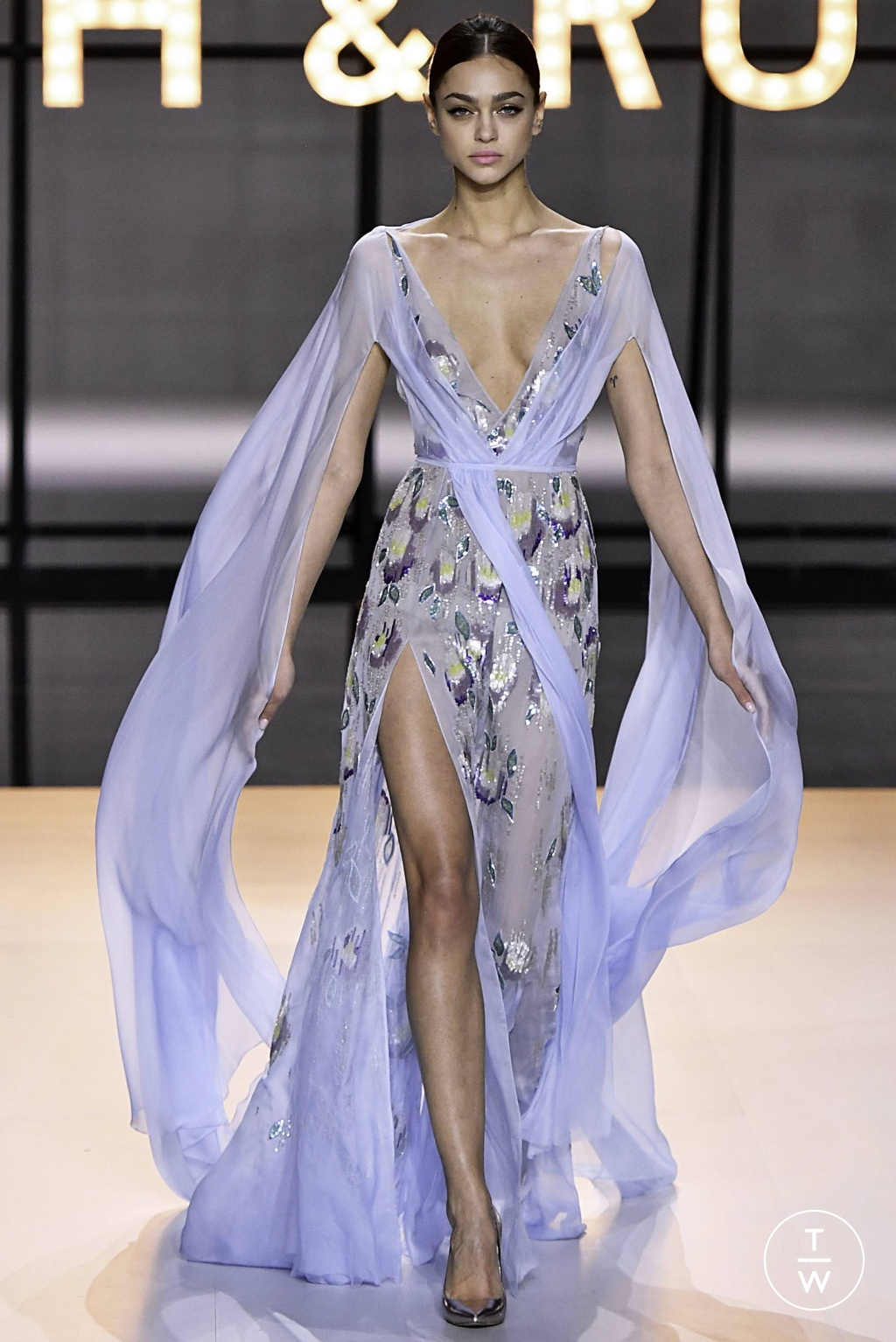 Fashion Week Paris Spring/Summer 2019 look 49 from the Ralph & Russo collection couture
