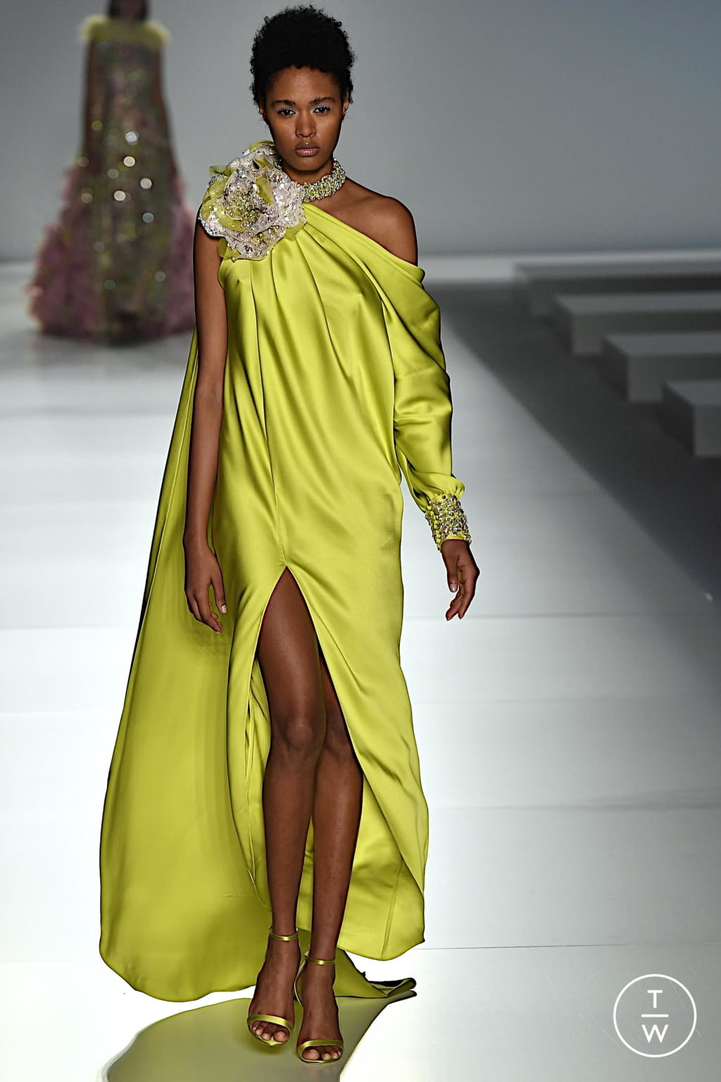 Fashion Week Paris Spring/Summer 2020 look 8 from the Ralph & Russo collection couture