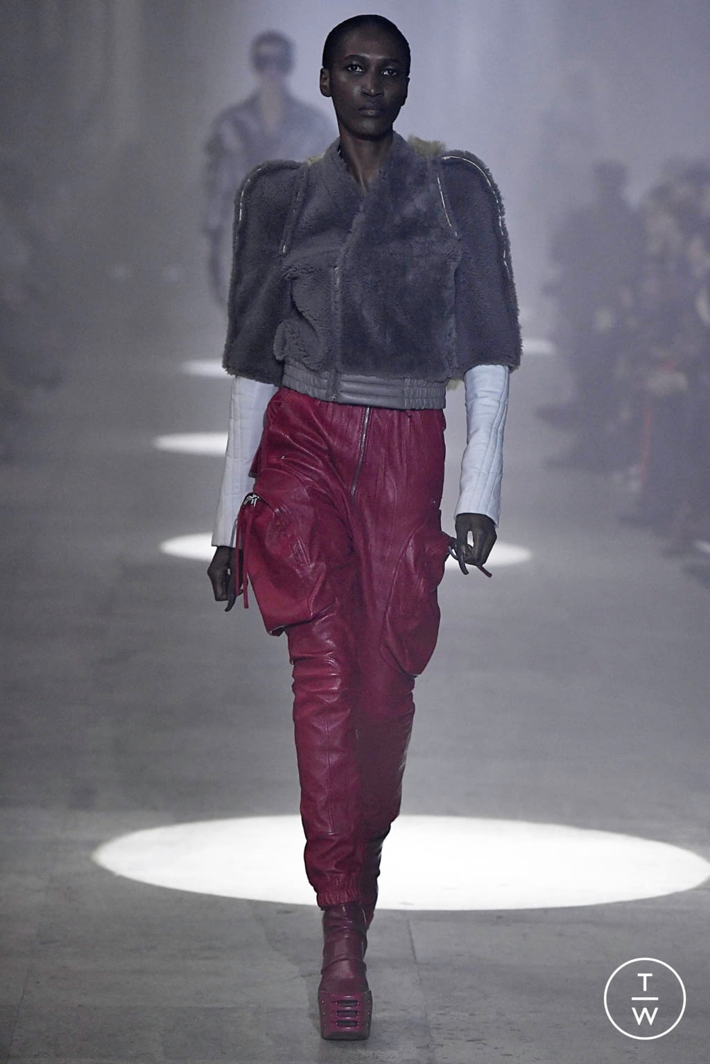 Fashion Week Paris Fall/Winter 2019 look 15 from the Rick Owens collection womenswear
