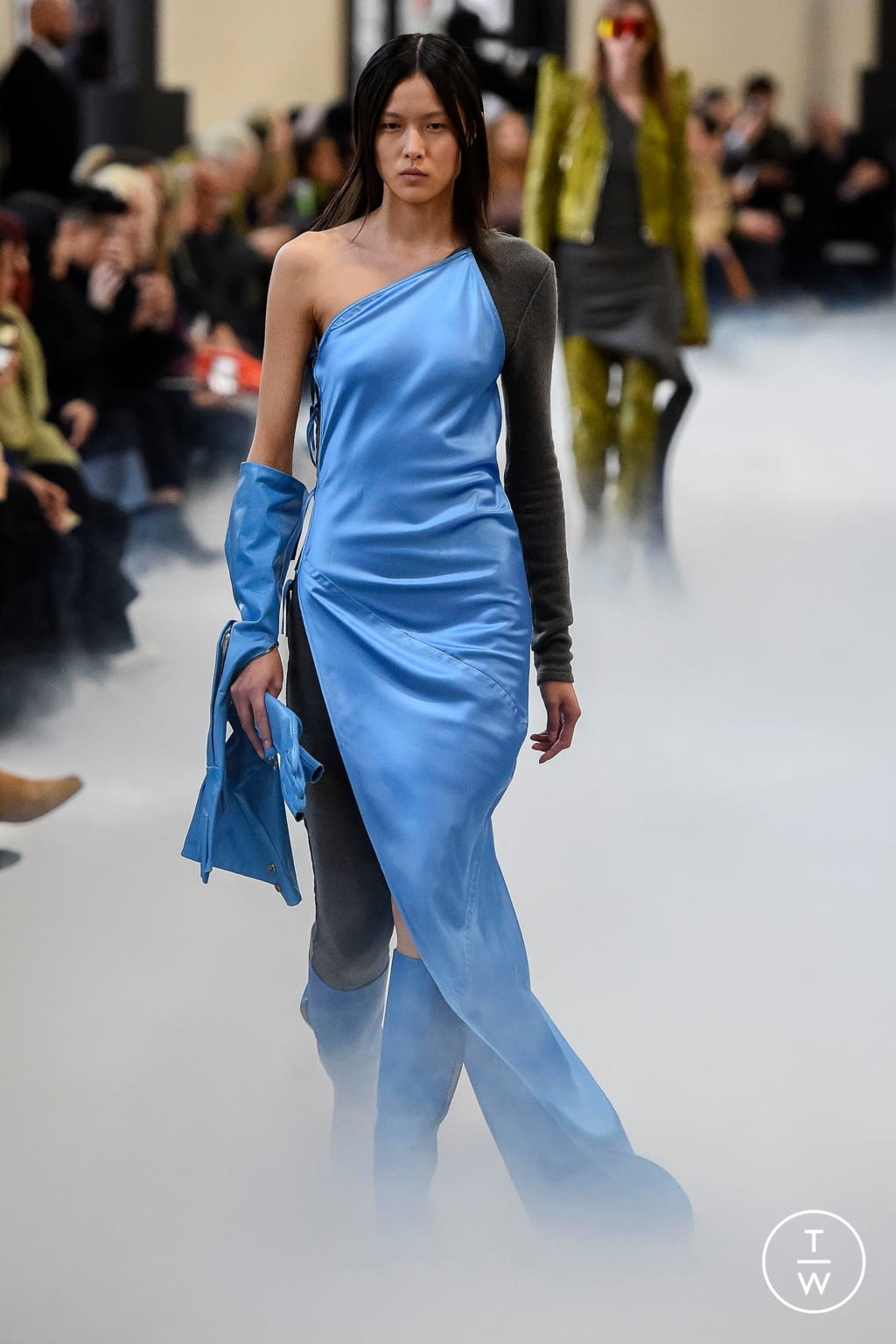 Fashion Week Paris Fall/Winter 2020 look 19 from the Rick Owens collection 女装