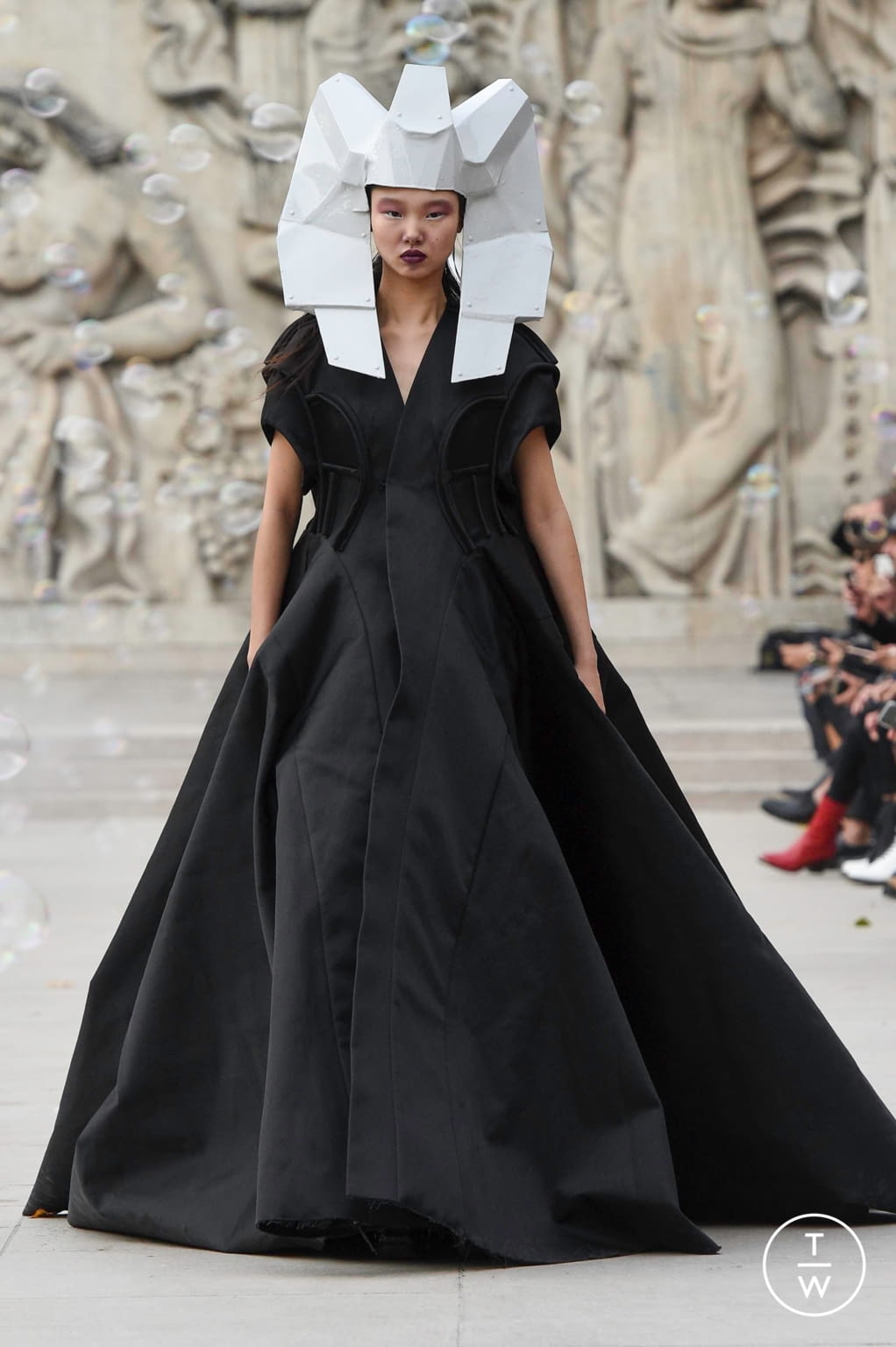 Fashion Week Paris Spring/Summer 2020 look 41 from the Rick Owens collection womenswear