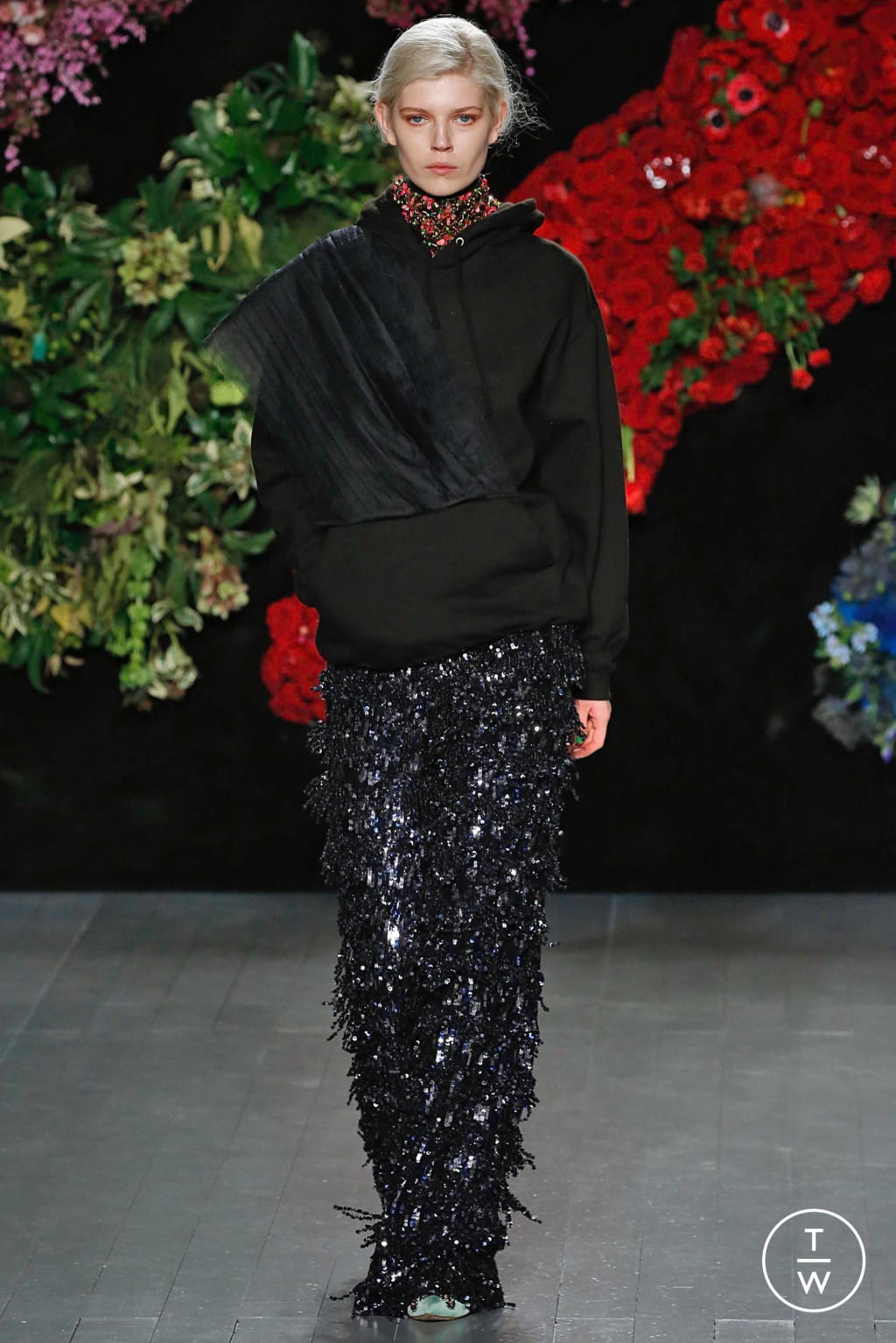 Fashion Week London Fall/Winter 2019 look 26 from the Roberta Einer collection 女装