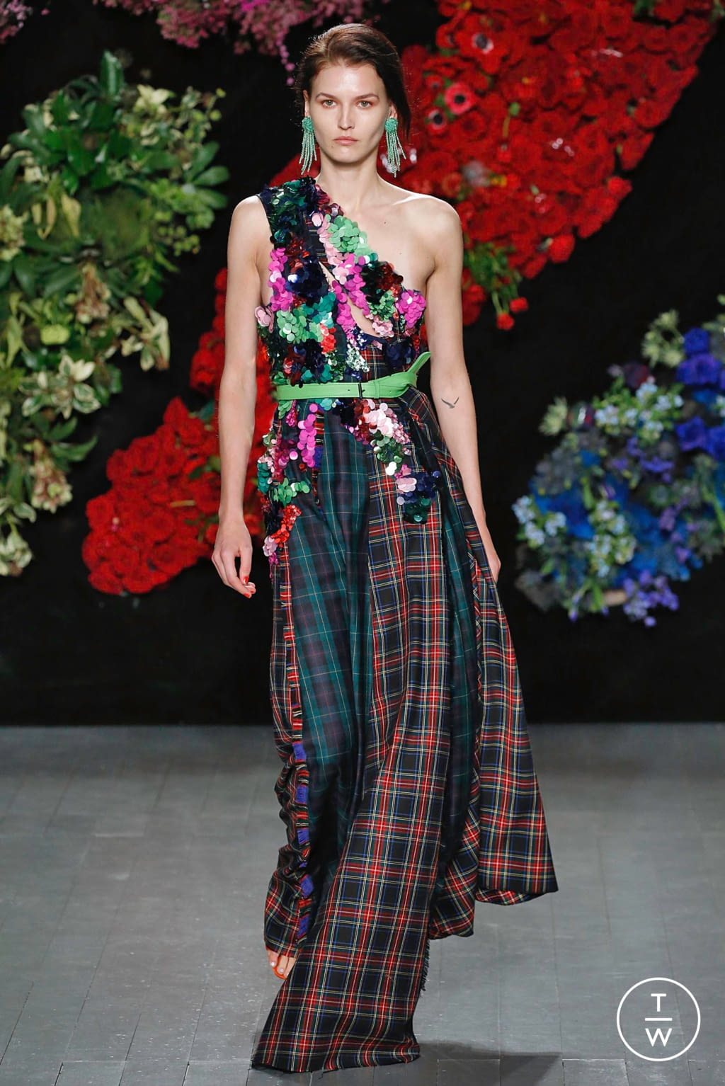 Fashion Week London Fall/Winter 2019 look 30 from the Roberta Einer collection 女装