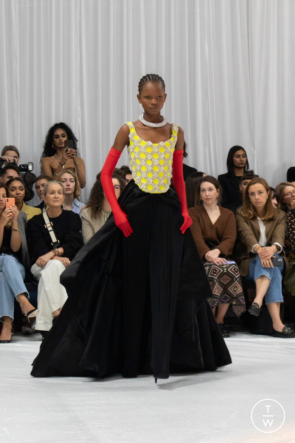 Fashion Week London Spring/Summer 2022 look 31 from the Richard Quinn collection womenswear