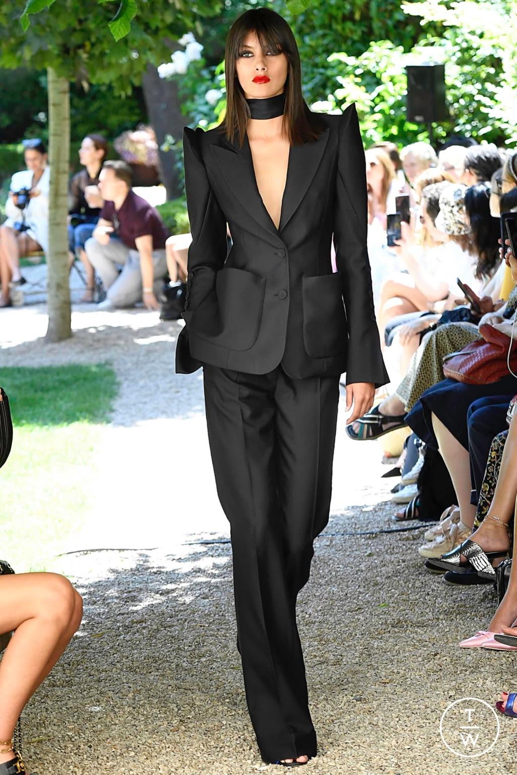 Fashion Week Paris Fall/Winter 2019 look 8 de la collection Ronald Van Der Kemp couture