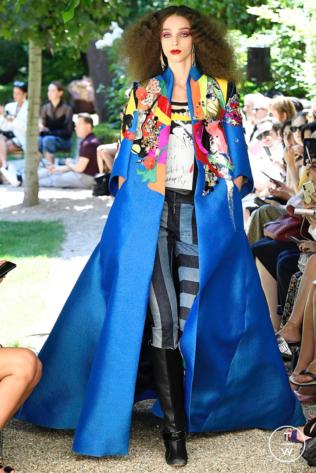 Fashion Week Paris Fall/Winter 2019 look 17 from the Ronald Van Der Kemp collection couture