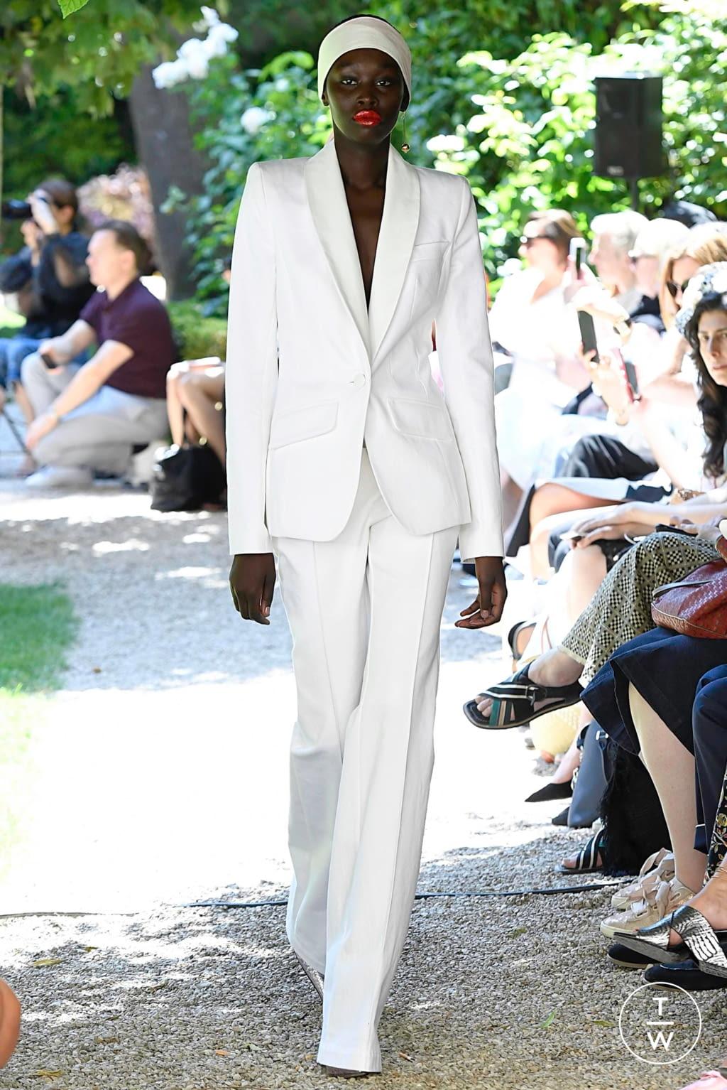 Fashion Week Paris Fall/Winter 2019 look 23 de la collection Ronald Van Der Kemp couture