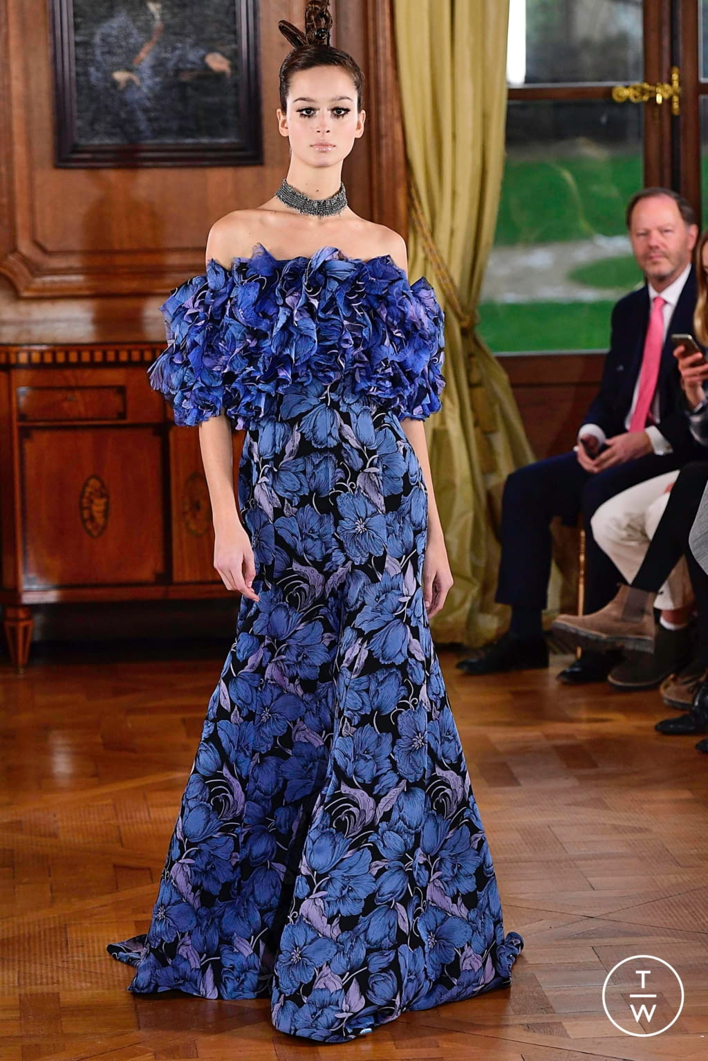 Fashion Week Paris Spring/Summer 2019 look 4 from the Ronald Van Der Kemp collection couture