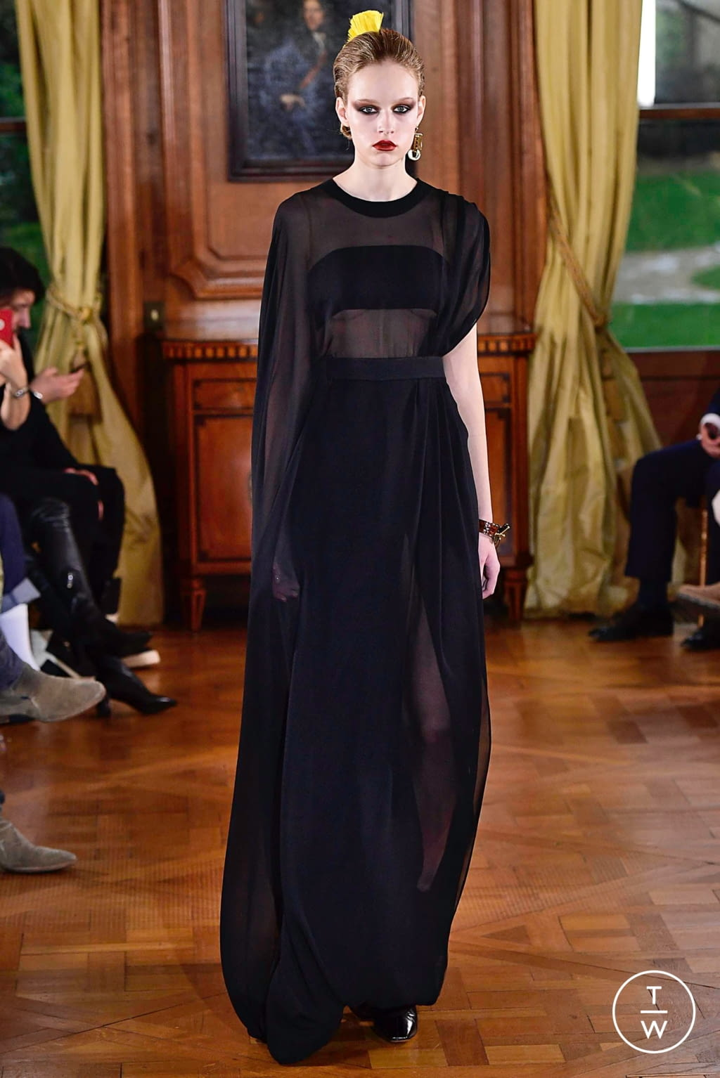 Fashion Week Paris Spring/Summer 2019 look 6 from the Ronald Van Der Kemp collection couture