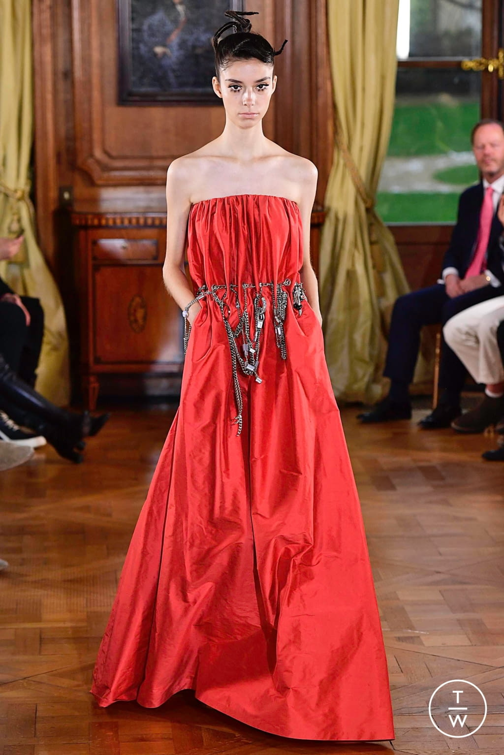 Fashion Week Paris Spring/Summer 2019 look 14 from the Ronald Van Der Kemp collection couture