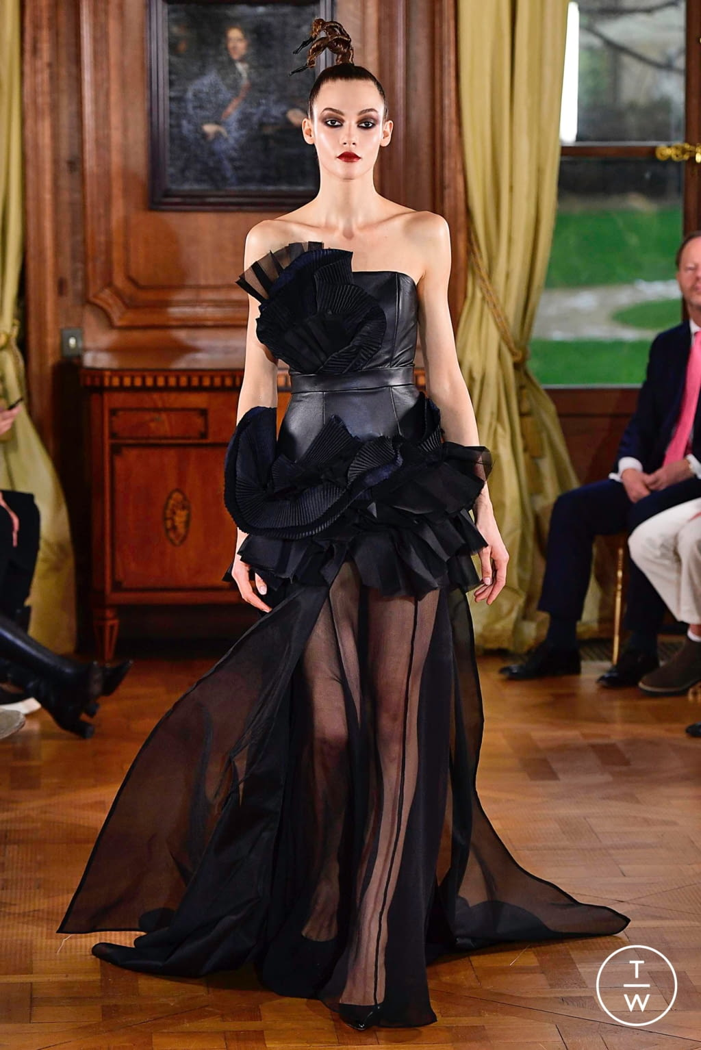 Fashion Week Paris Spring/Summer 2019 look 15 from the Ronald Van Der Kemp collection couture