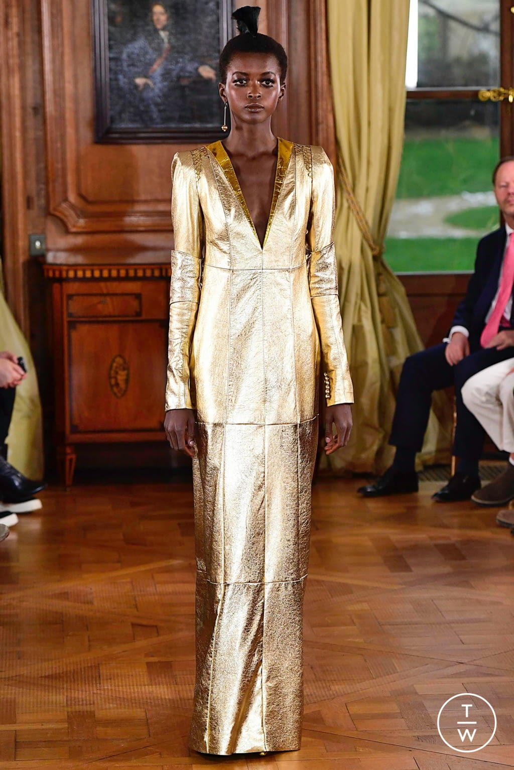 Fashion Week Paris Spring/Summer 2019 look 22 from the Ronald Van Der Kemp collection couture