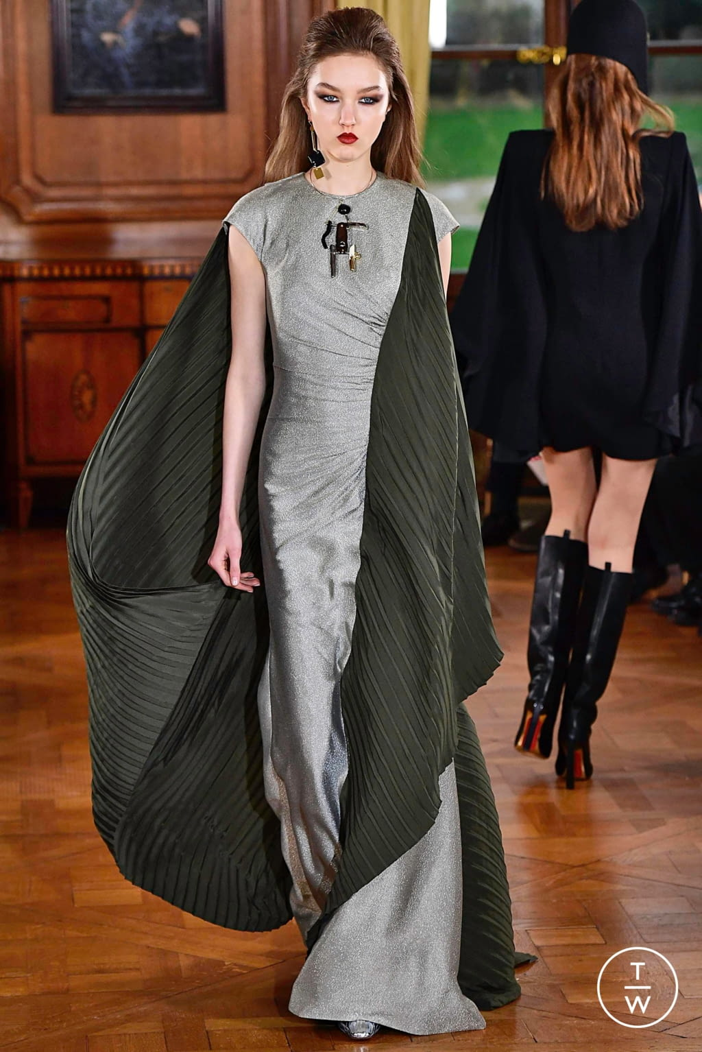 Fashion Week Paris Spring/Summer 2019 look 24 from the Ronald Van Der Kemp collection couture