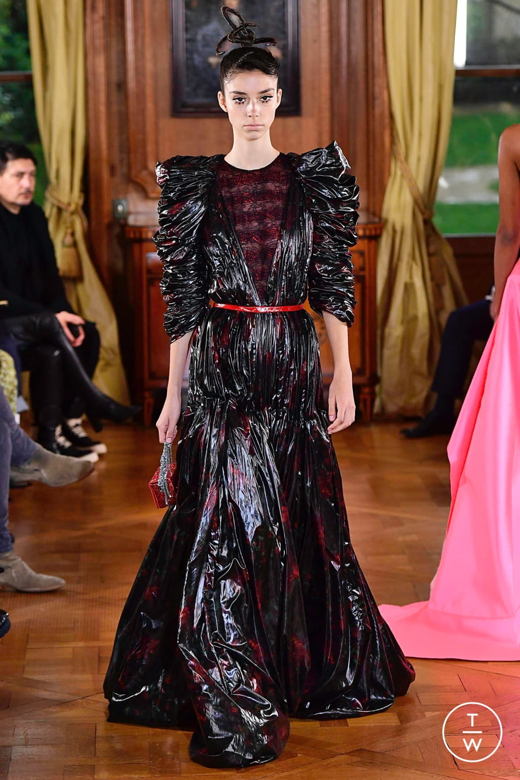 Fashion Week Paris Spring/Summer 2019 look 32 from the Ronald Van Der Kemp collection couture