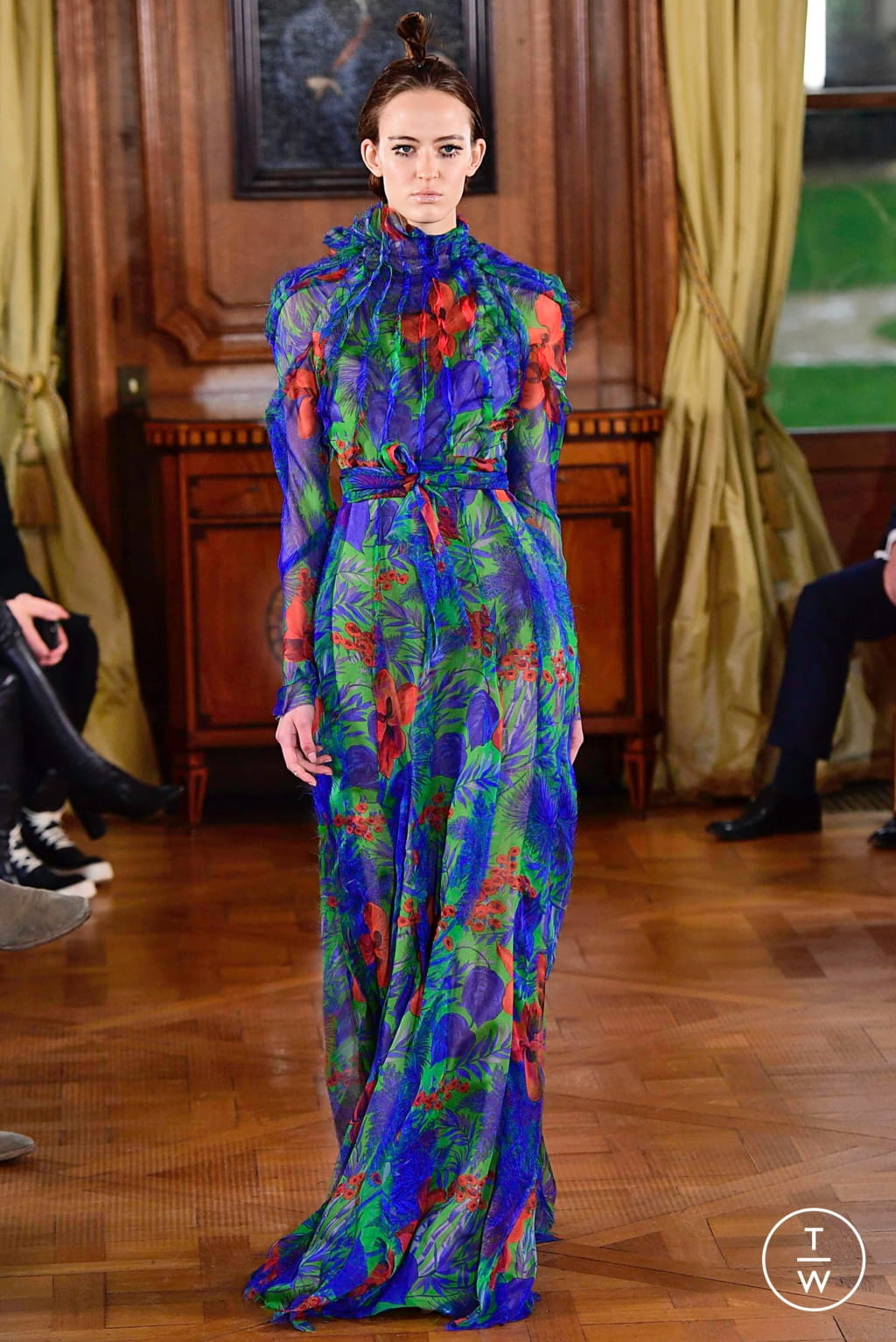 Fashion Week Paris Spring/Summer 2019 look 33 from the Ronald Van Der Kemp collection couture