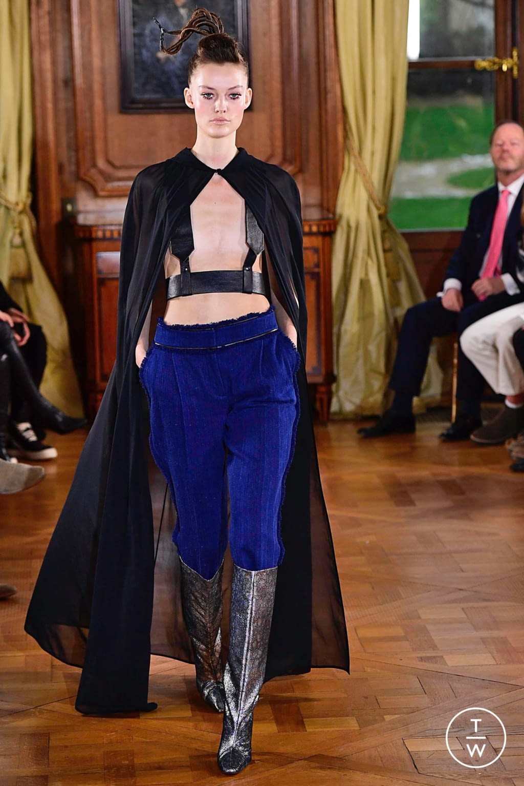 Fashion Week Paris Spring/Summer 2019 look 35 from the Ronald Van Der Kemp collection couture