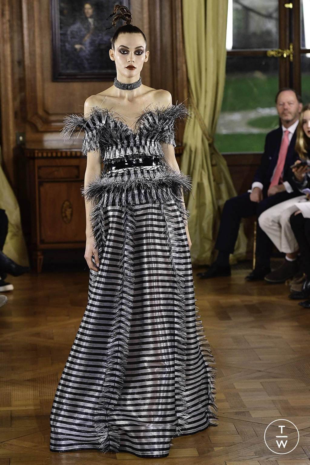 Fashion Week Paris Spring/Summer 2019 look 37 from the Ronald Van Der Kemp collection couture