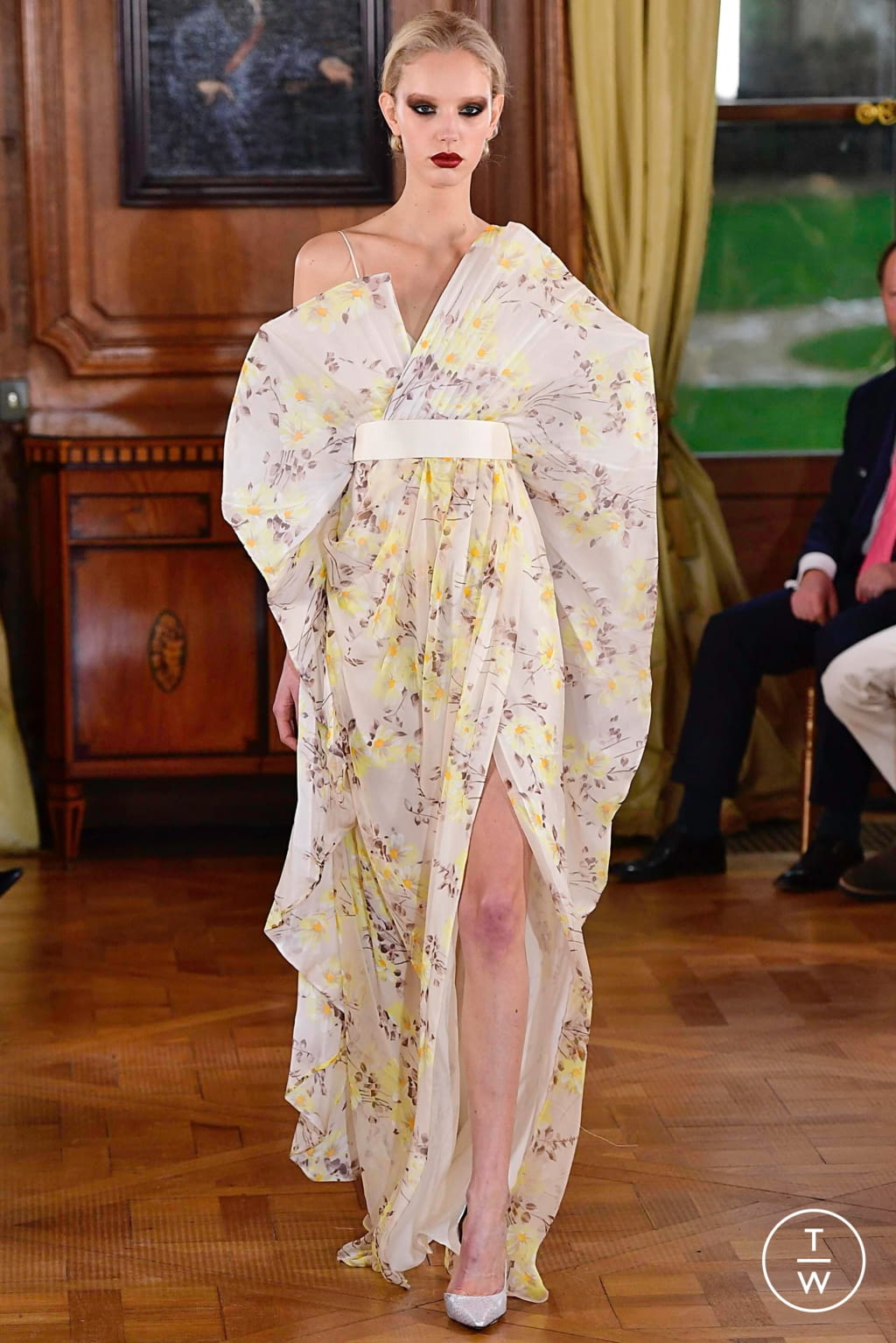 Fashion Week Paris Spring/Summer 2019 look 39 from the Ronald Van Der Kemp collection couture