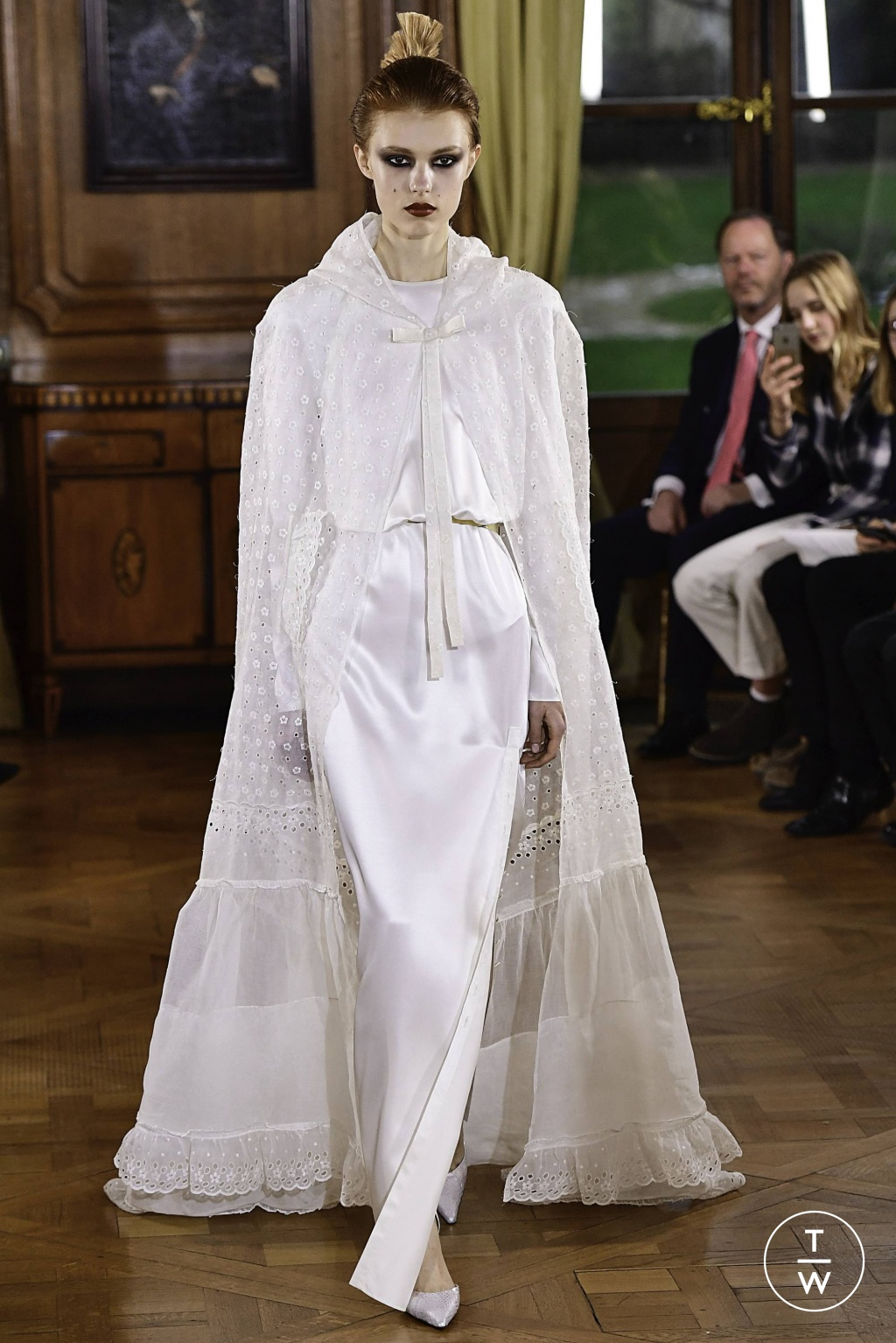 Fashion Week Paris Spring/Summer 2019 look 40 from the Ronald Van Der Kemp collection couture