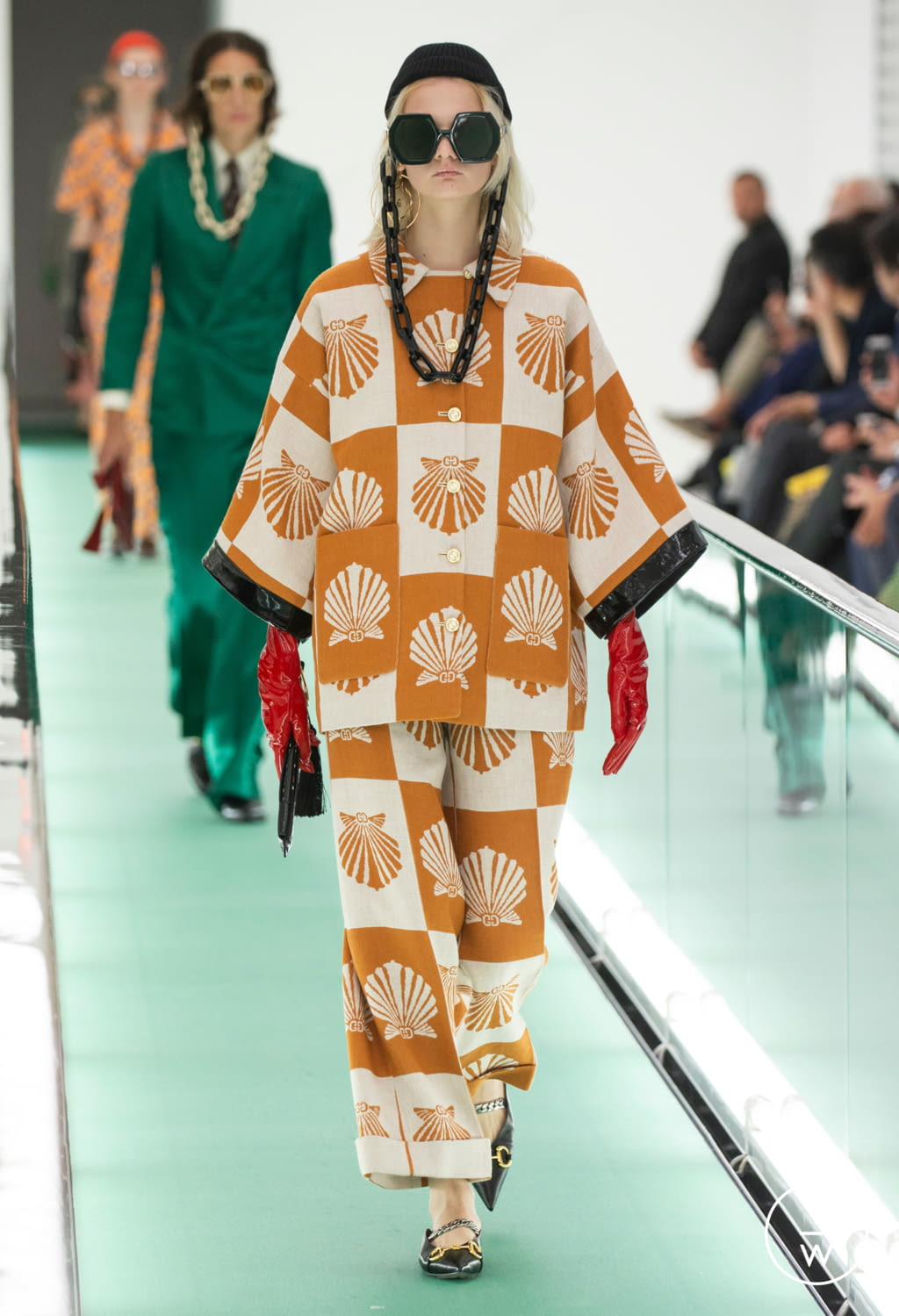 Fashion Week Milan Spring/Summer 2020 look 75 from the Gucci collection womenswear