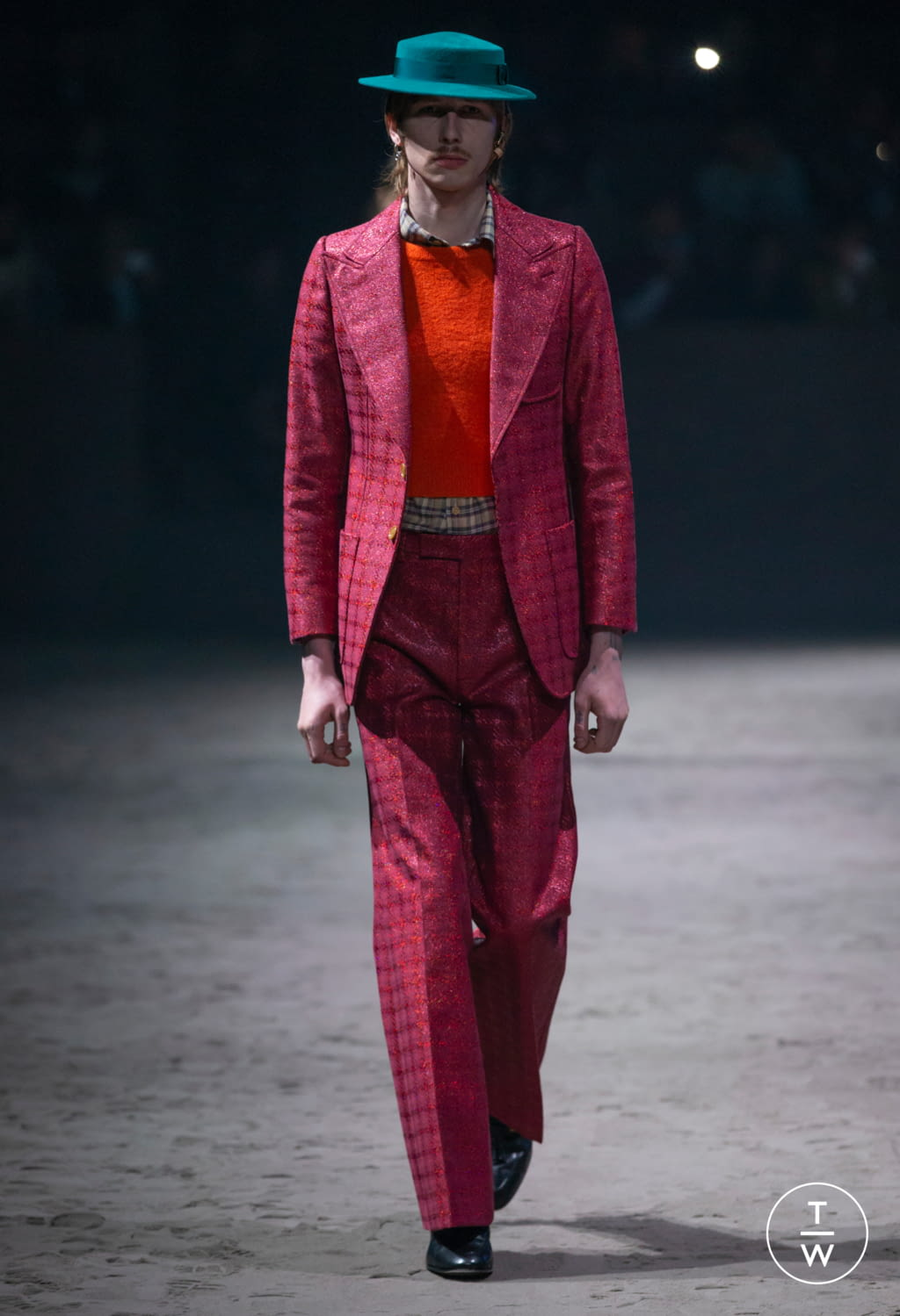 Fashion Week Milan Fall/Winter 2020 look 25 from the Gucci collection menswear