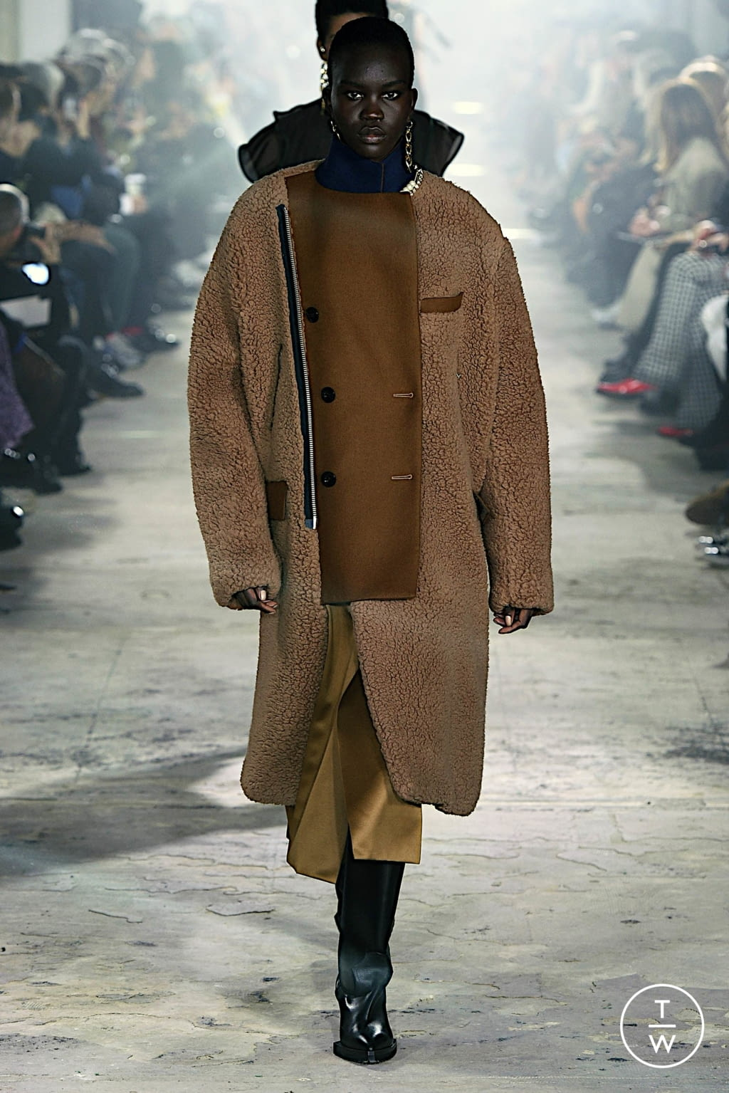 Fashion Week Paris Fall/Winter 2020 look 5 from the Sacai collection womenswear