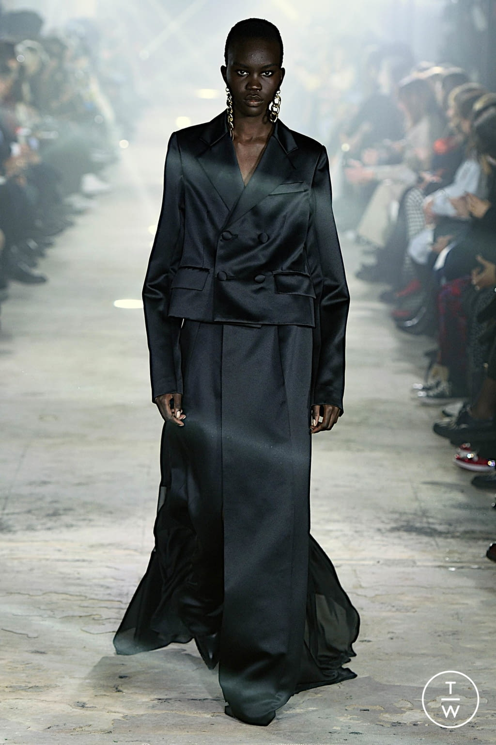 Fashion Week Paris Fall/Winter 2020 look 45 from the Sacai collection womenswear