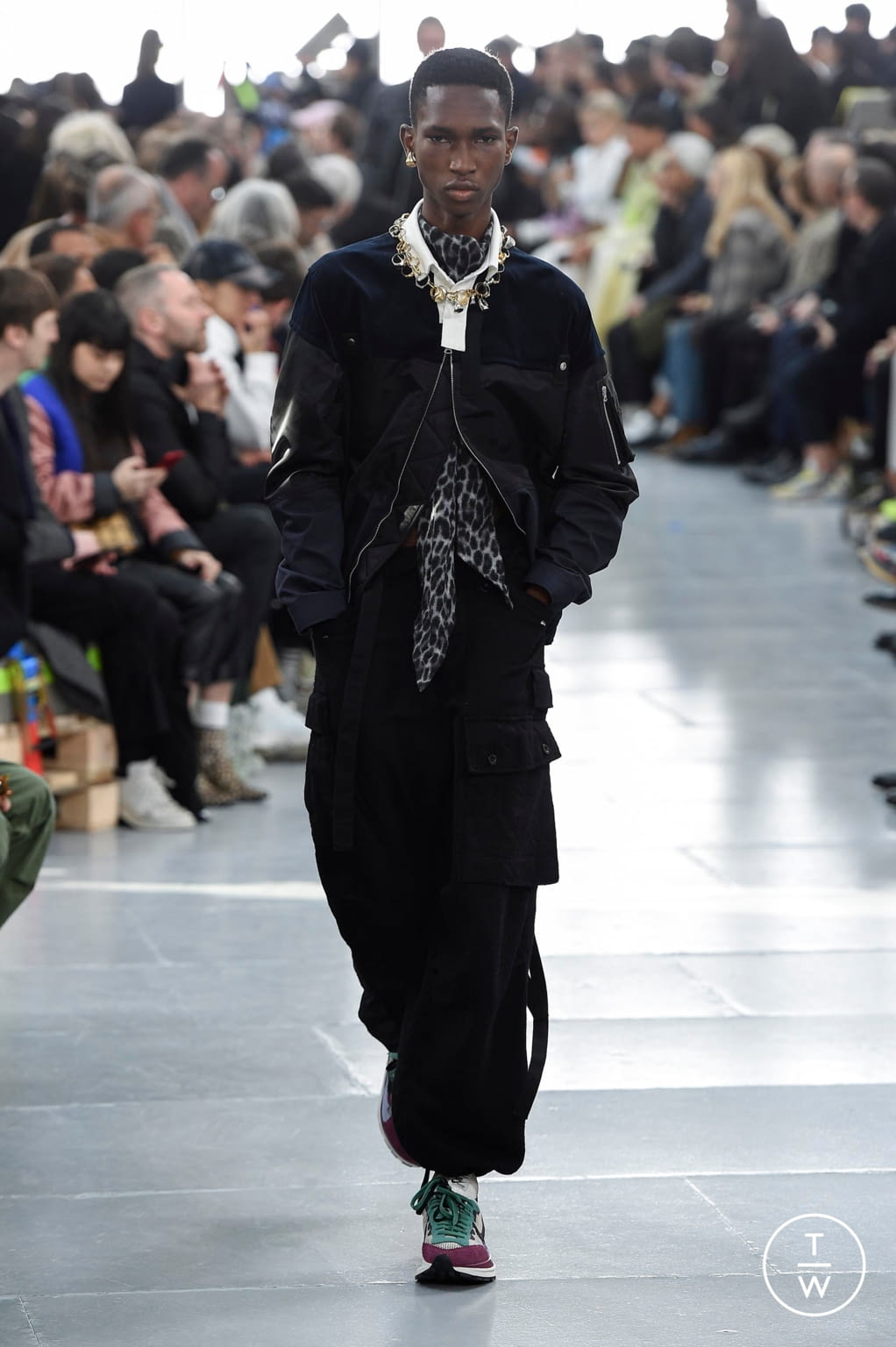 Fashion Week Paris Fall/Winter 2020 look 53 from the Sacai collection menswear