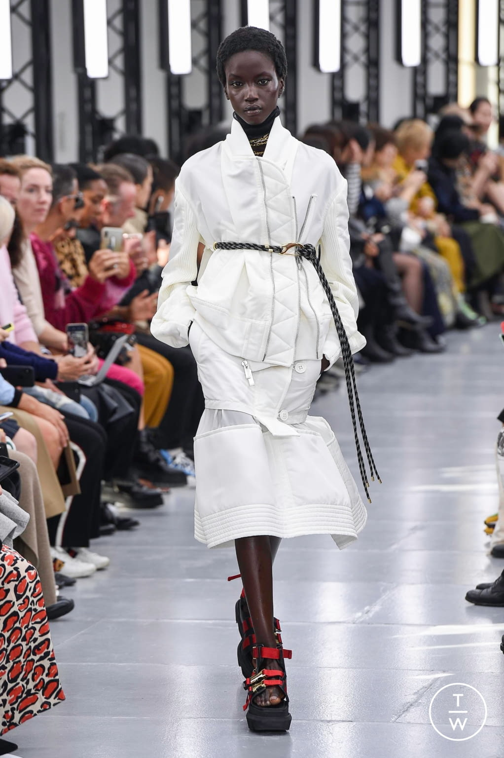 Fashion Week Paris Spring/Summer 2020 look 8 from the Sacai collection womenswear