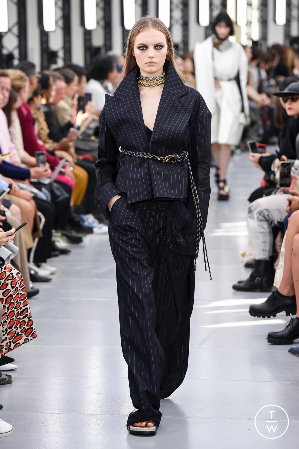 Fashion Week Paris Spring/Summer 2020 look 11 from the Sacai collection womenswear