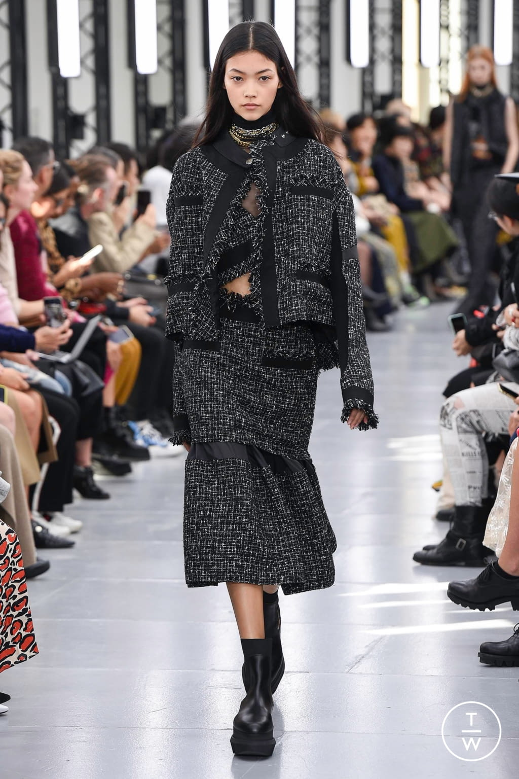 Fashion Week Paris Spring/Summer 2020 look 17 from the Sacai collection womenswear