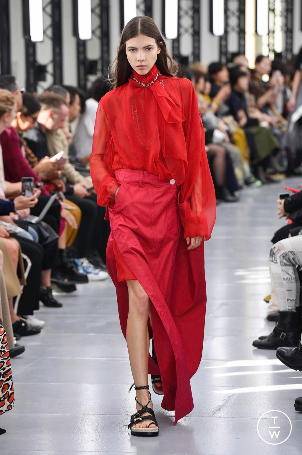 Fashion Week Paris Spring/Summer 2020 look 20 from the Sacai collection womenswear