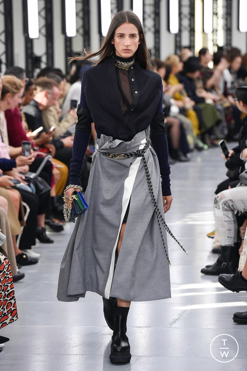 Fashion Week Paris Spring/Summer 2020 look 22 from the Sacai collection womenswear