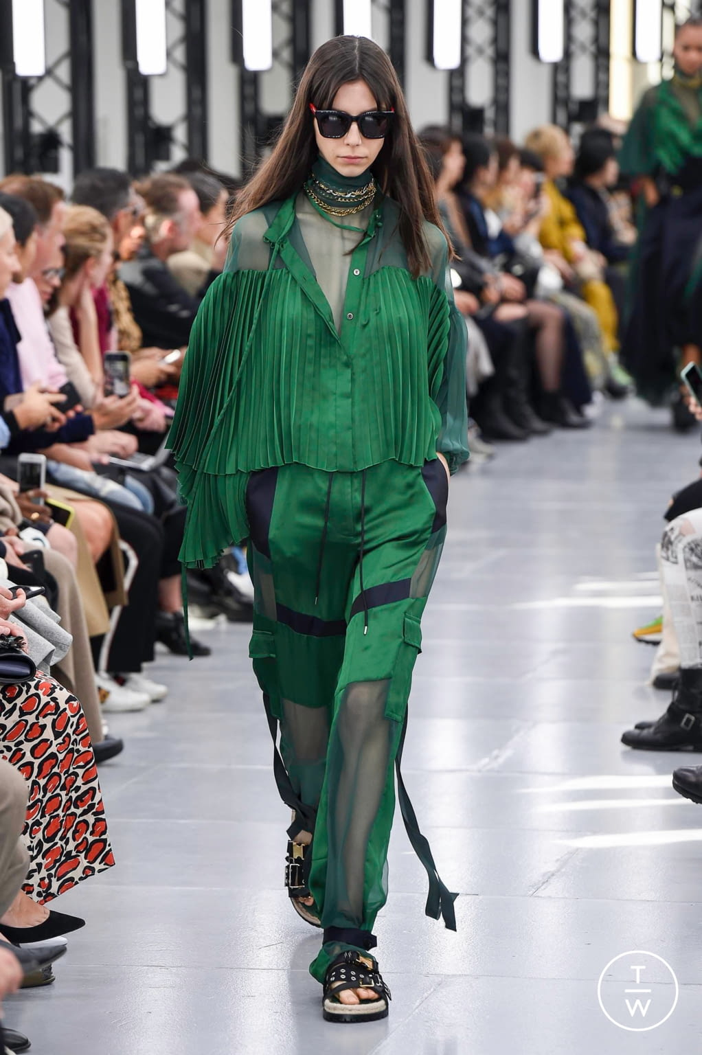 Fashion Week Paris Spring/Summer 2020 look 31 from the Sacai collection womenswear