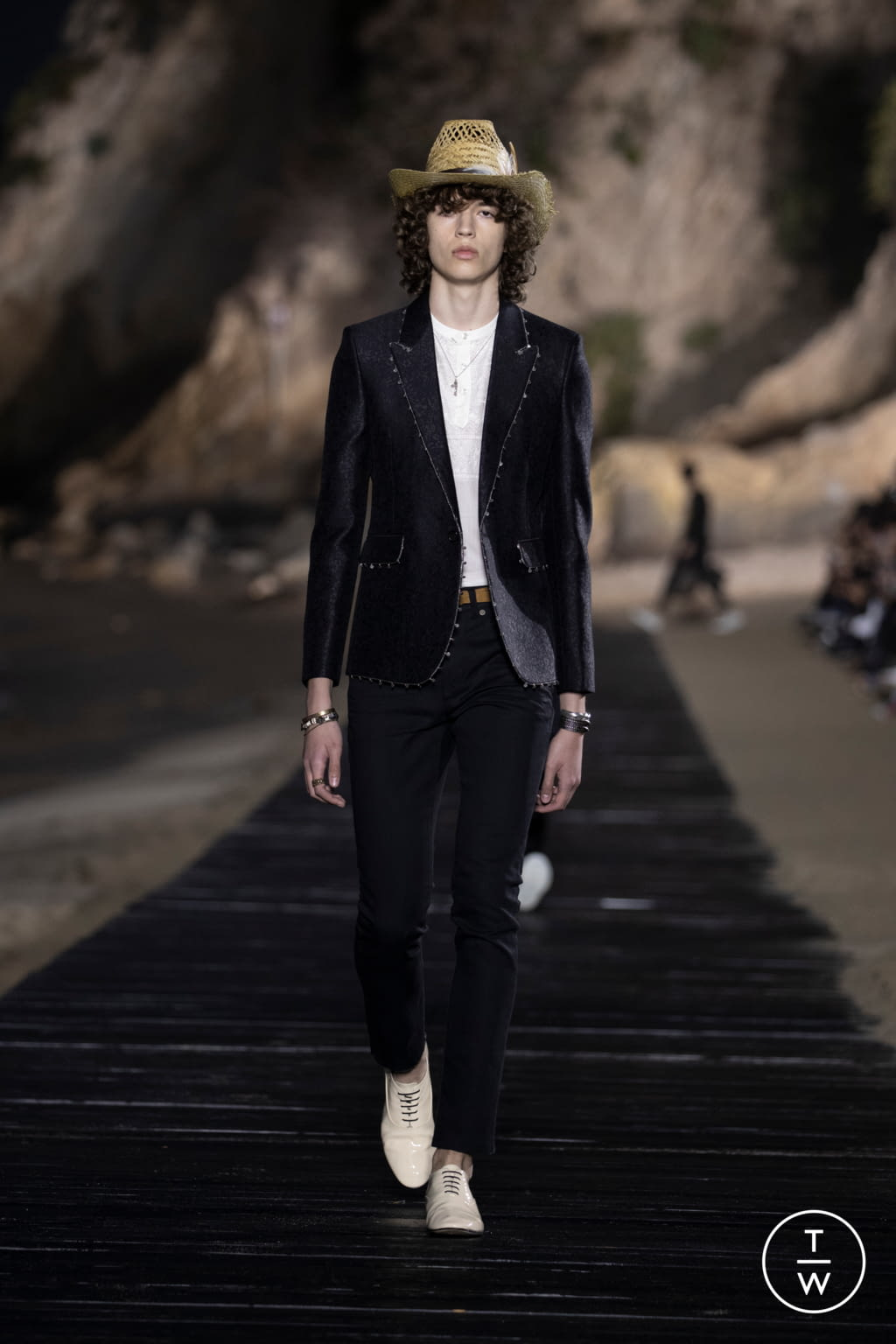 Fashion Week Paris Spring/Summer 2020 look 5 from the Saint Laurent collection menswear
