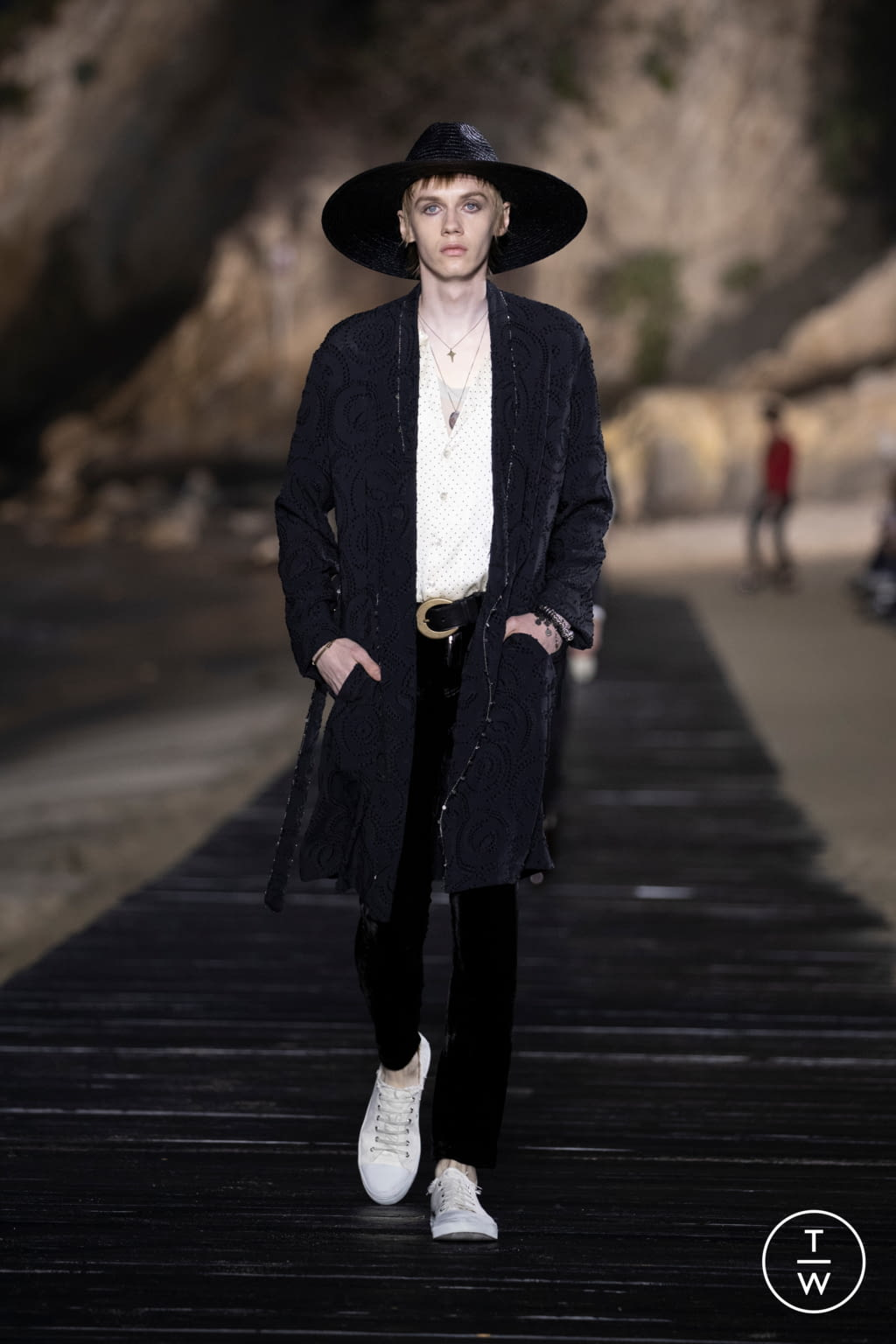 Fashion Week Paris Spring/Summer 2020 look 6 from the Saint Laurent collection menswear