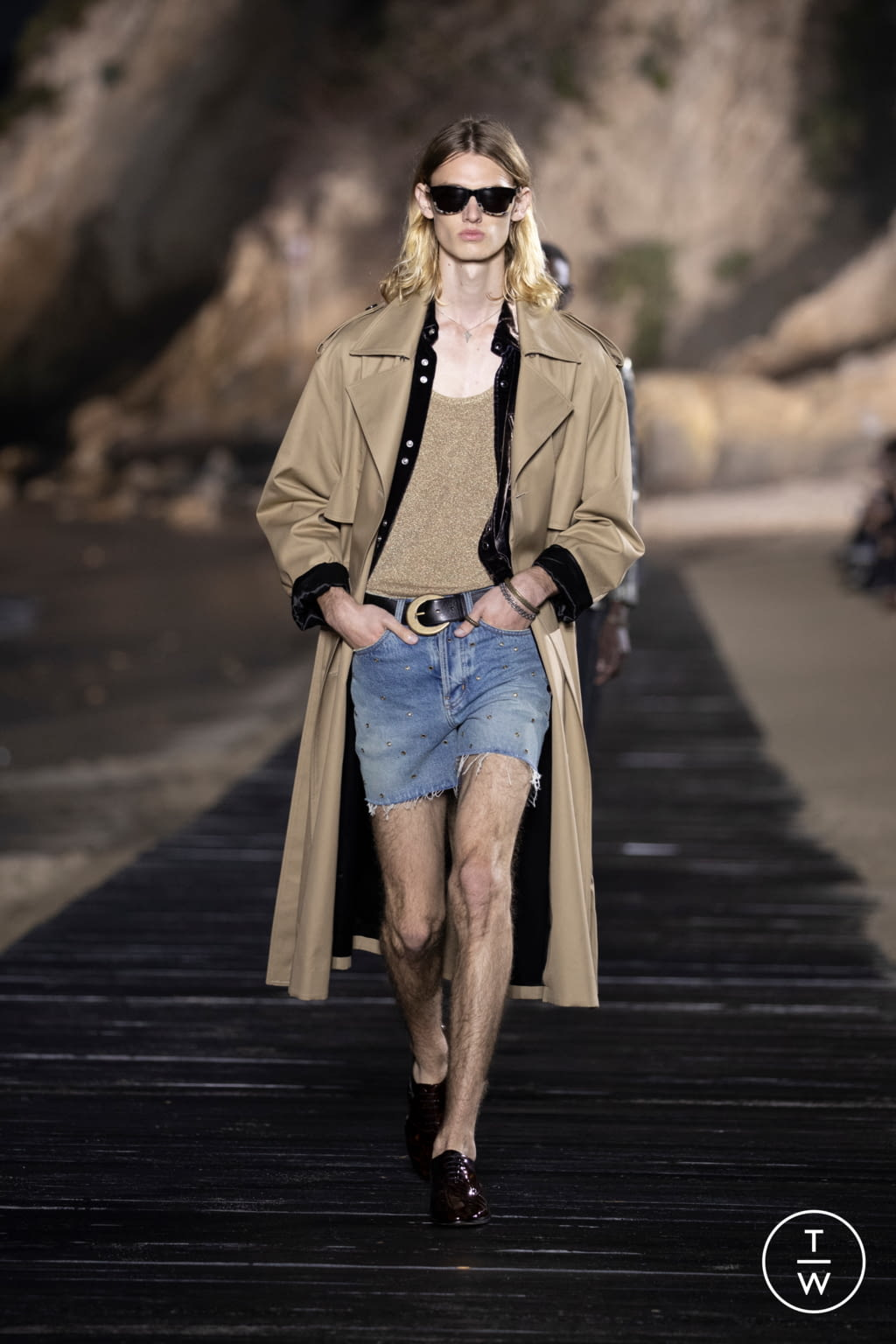 Fashion Week Paris Spring/Summer 2020 look 16 from the Saint Laurent collection menswear