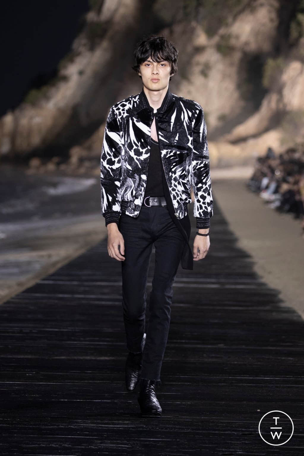 Fashion Week Paris Spring/Summer 2020 look 24 from the Saint Laurent collection menswear