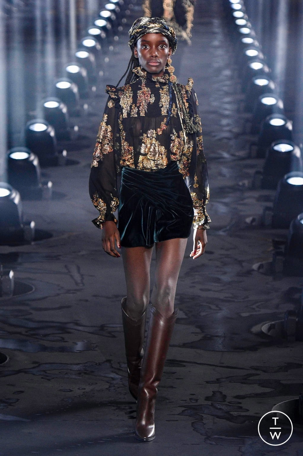 Fashion Week Paris Spring/Summer 2020 look 14 from the Saint Laurent collection womenswear