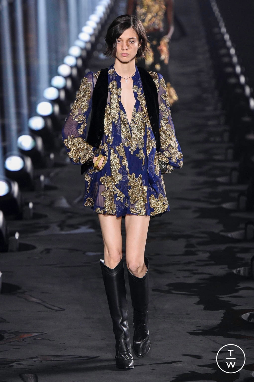 Fashion Week Paris Spring/Summer 2020 look 17 from the Saint Laurent collection womenswear