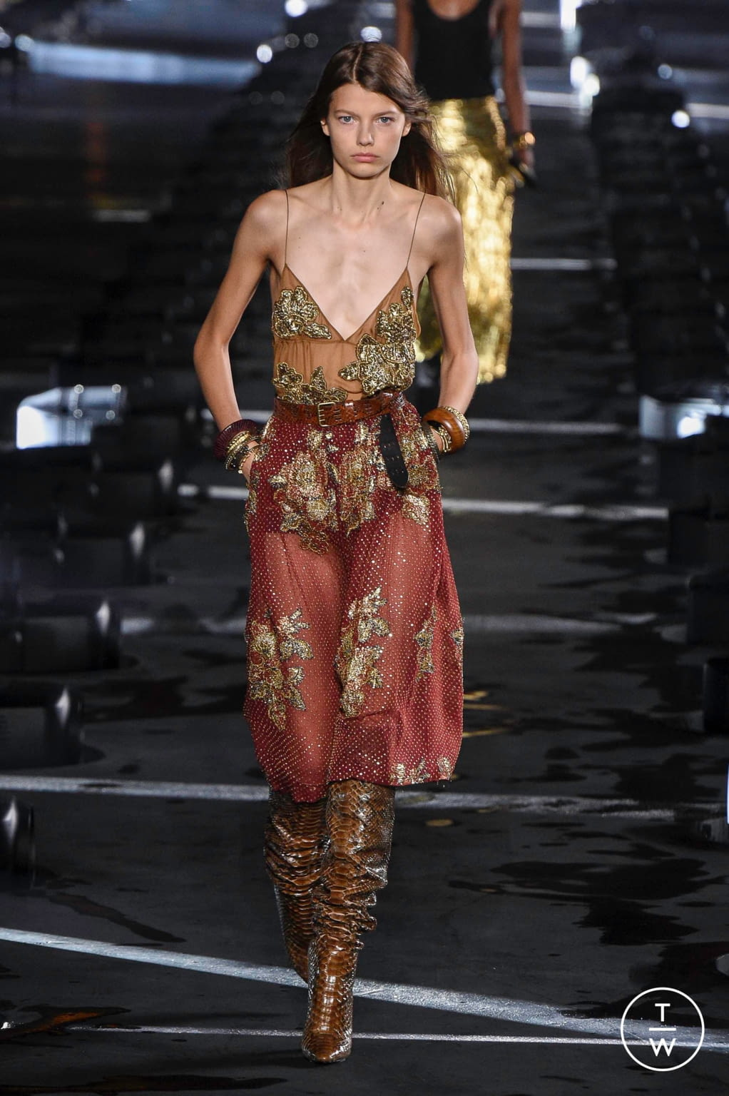 Fashion Week Paris Spring/Summer 2020 look 22 from the Saint Laurent collection 女装