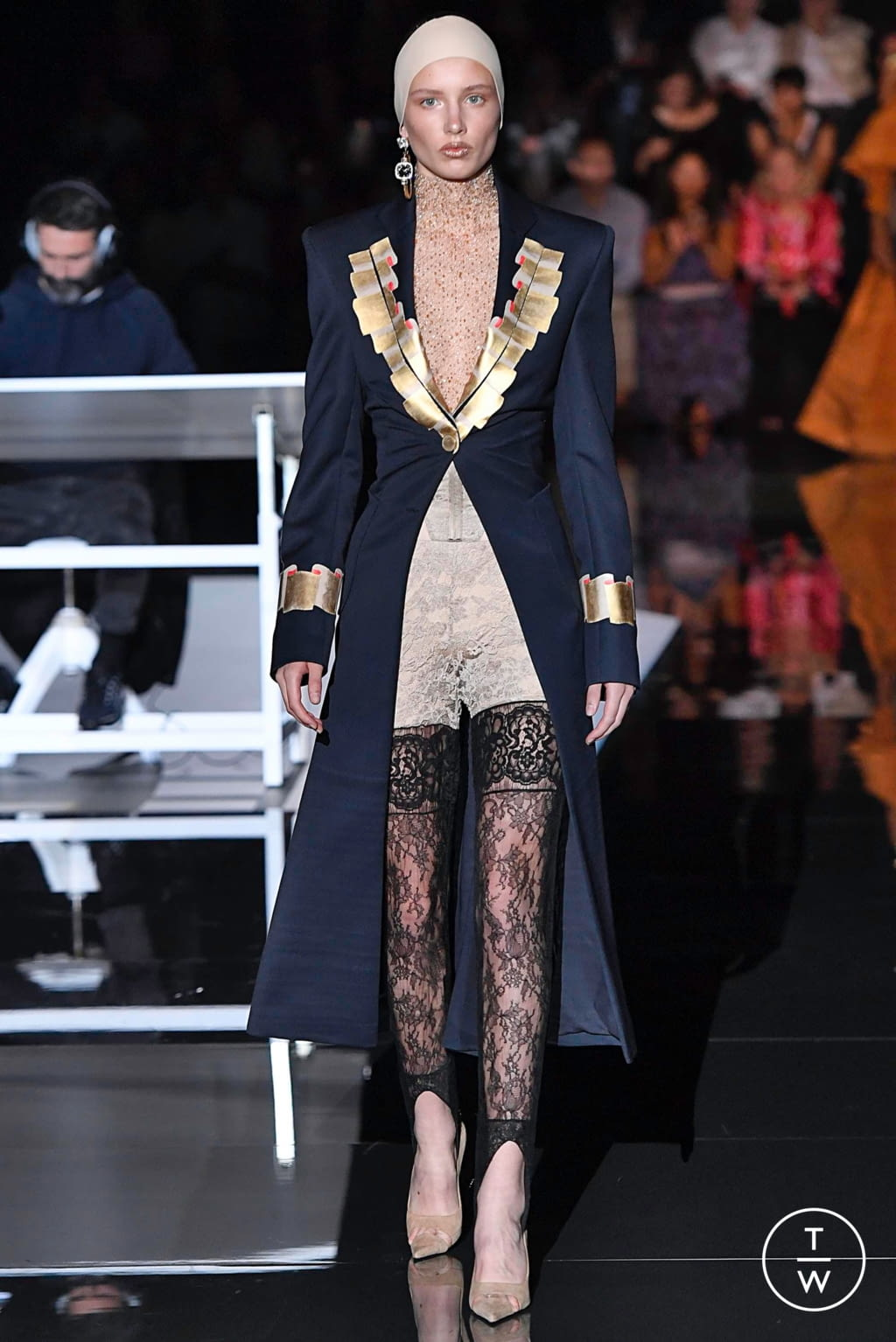 Fashion Week Paris Fall/Winter 2019 look 3 from the Schiaparelli collection couture
