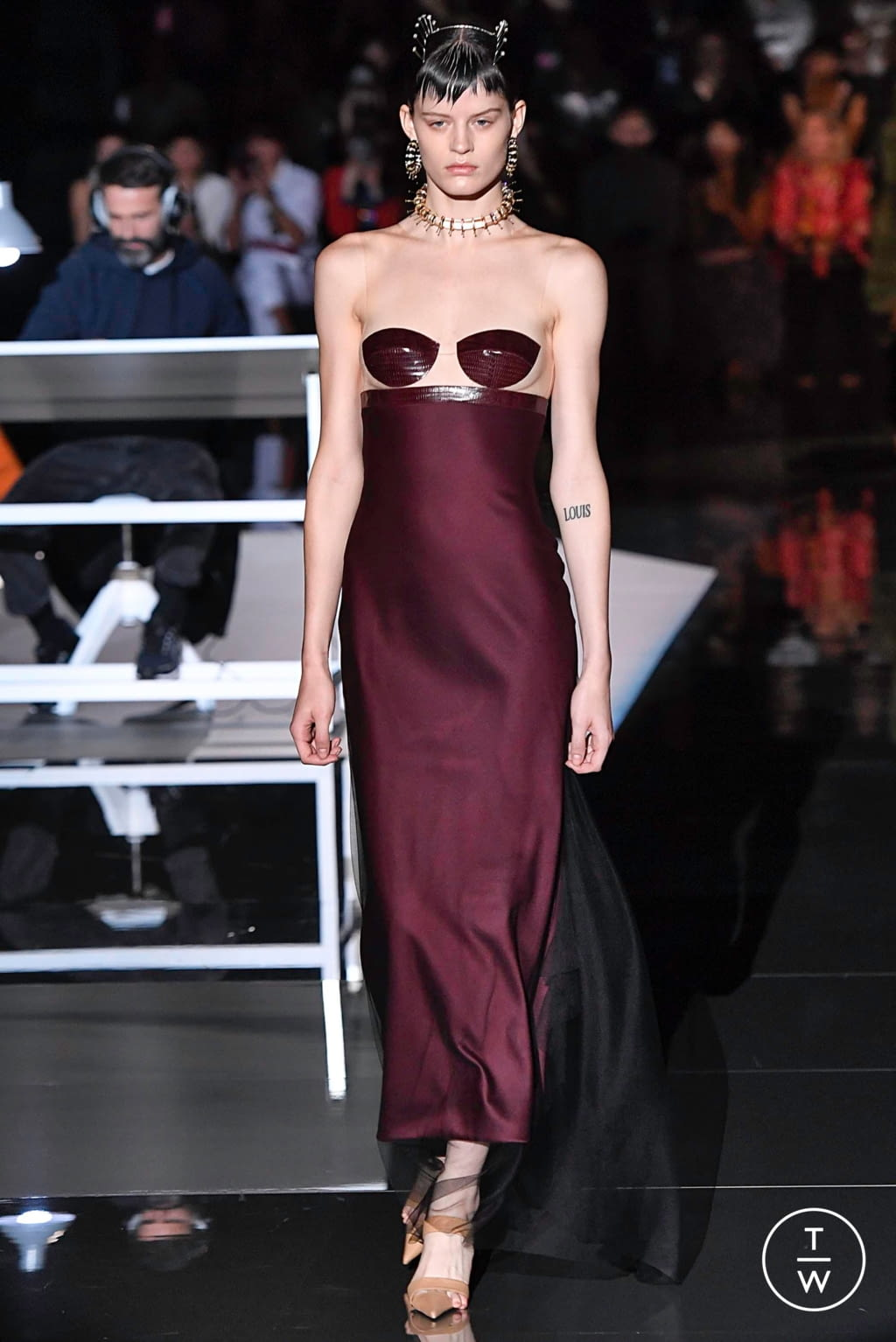 Fashion Week Paris Fall/Winter 2019 look 6 from the Schiaparelli collection couture