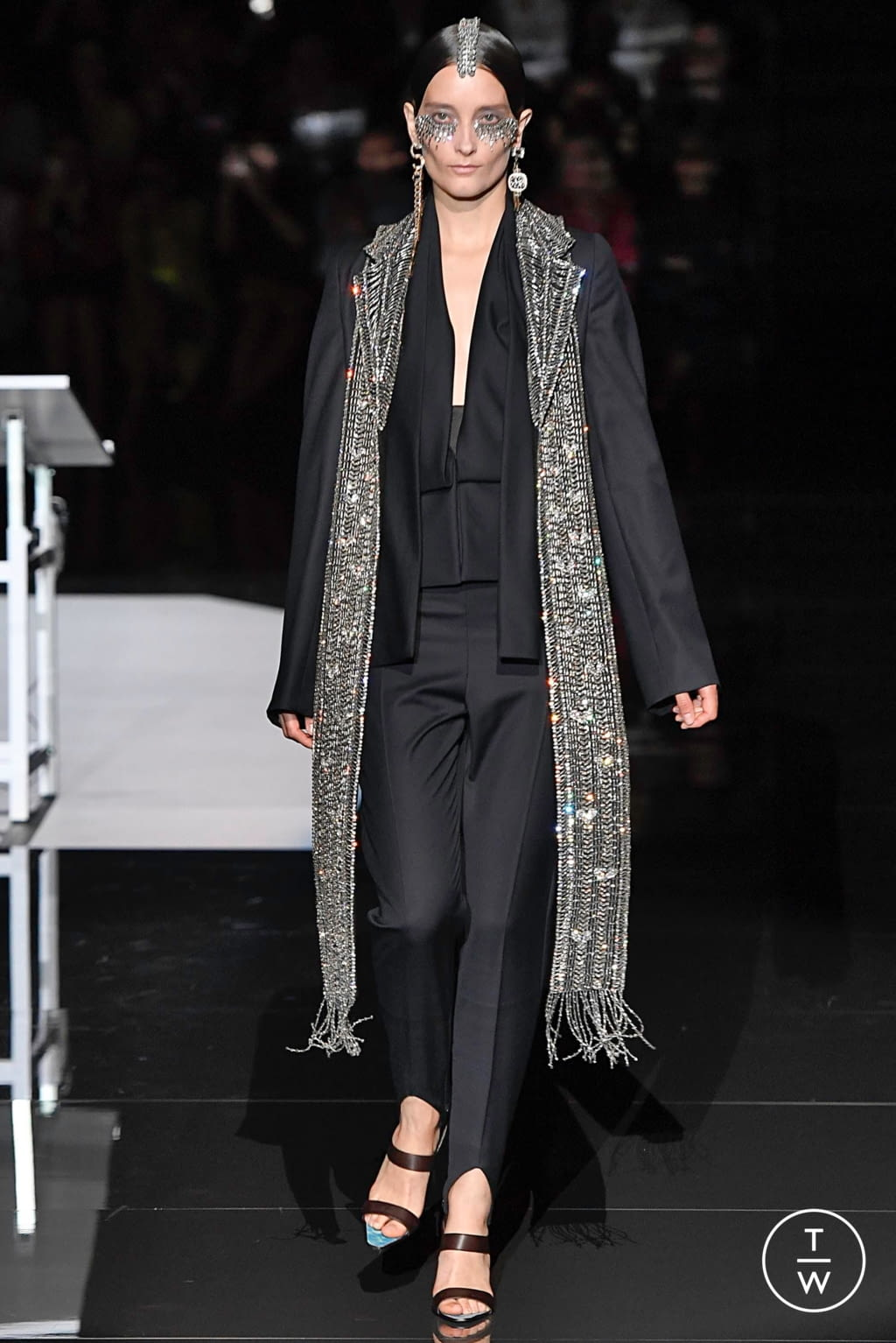 Fashion Week Paris Fall/Winter 2019 look 14 from the Schiaparelli collection couture