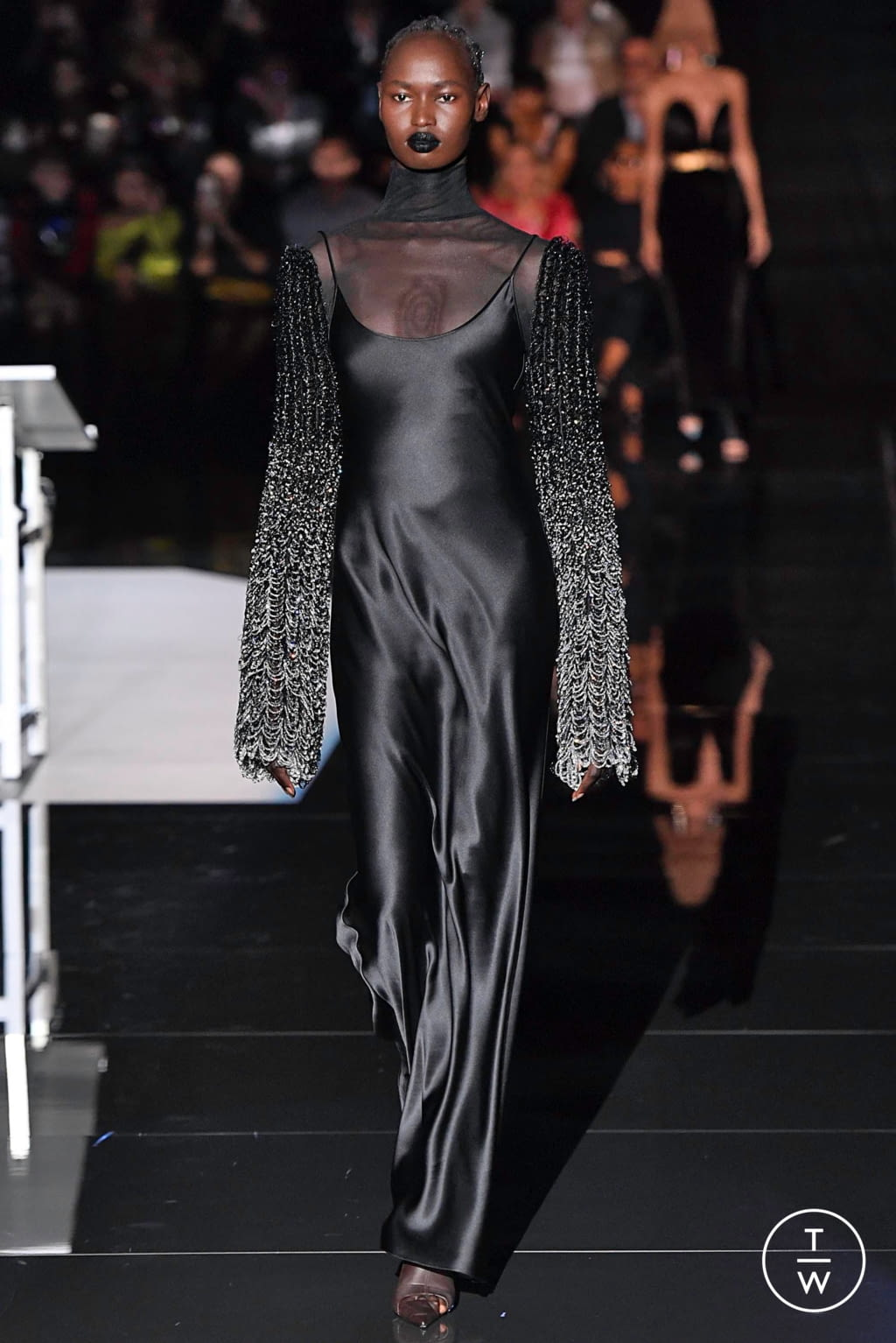 Fashion Week Paris Fall/Winter 2019 look 15 from the Schiaparelli collection couture