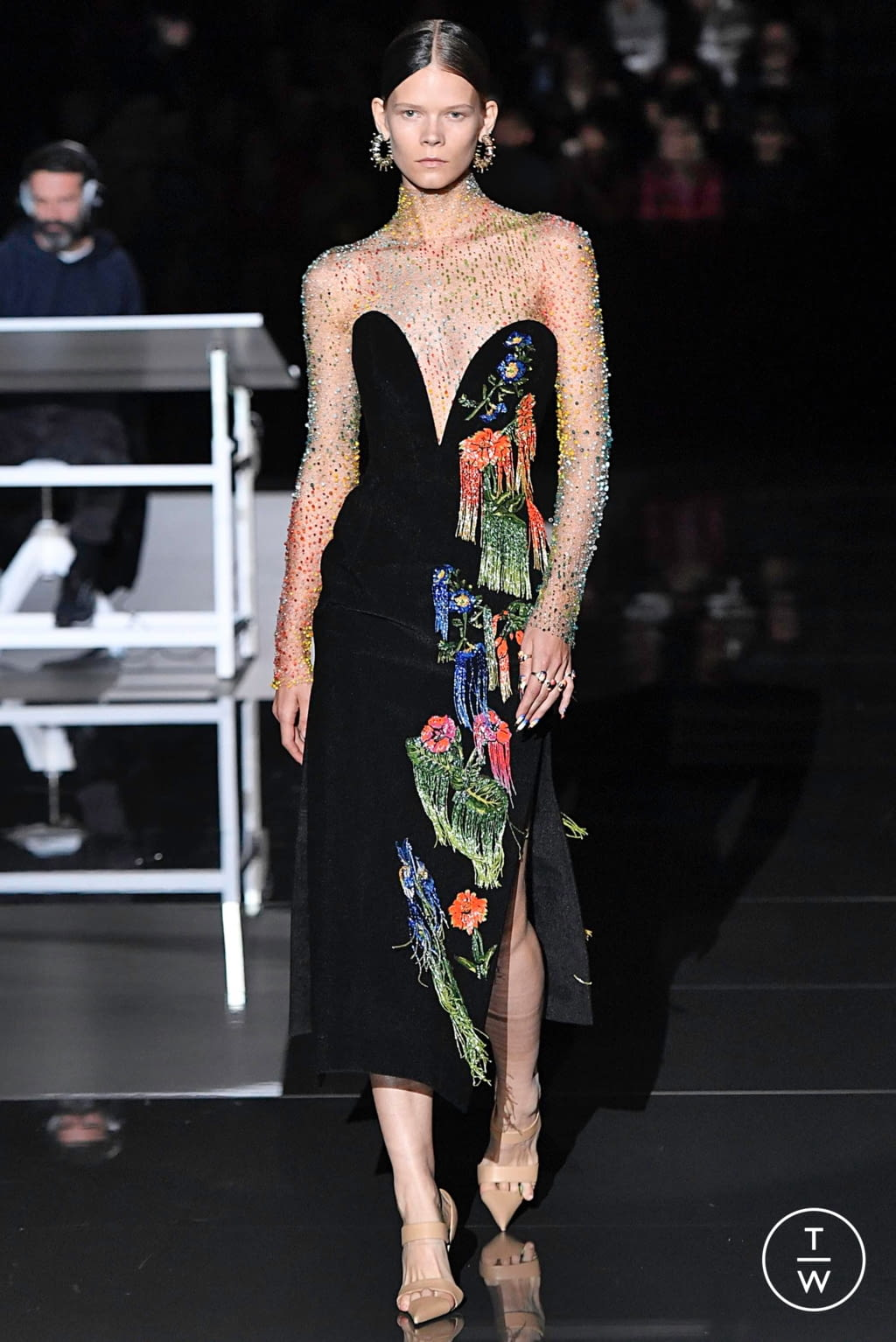 Fashion Week Paris Fall/Winter 2019 look 17 from the Schiaparelli collection couture